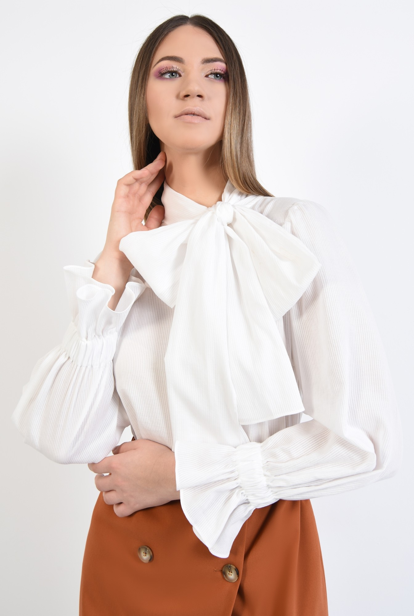 2 - 360 - bluza cu guler esarfa, funda supradimensionata, maneci bufante, alba