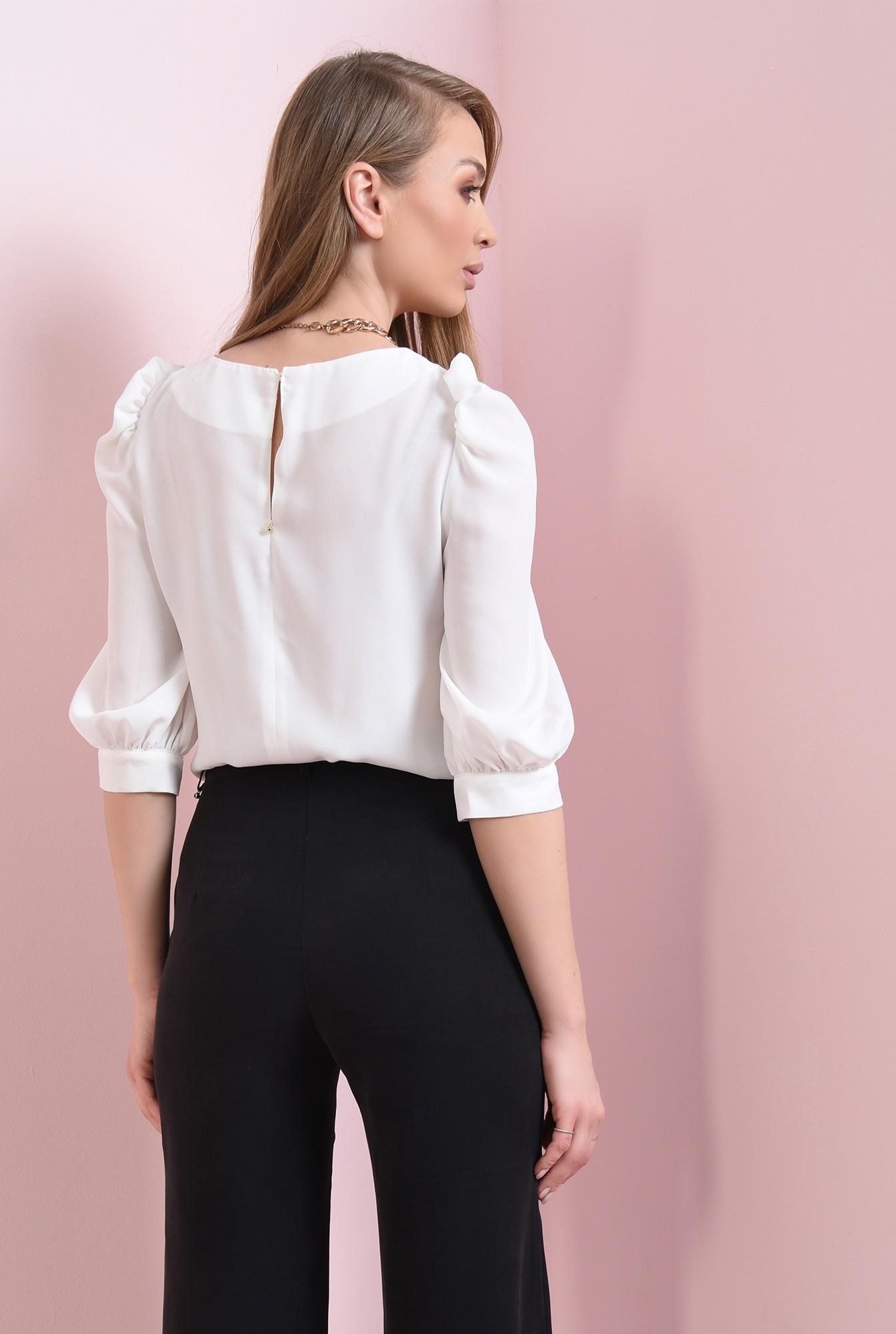 2 - bluza de primavara, cu decolteu rotund