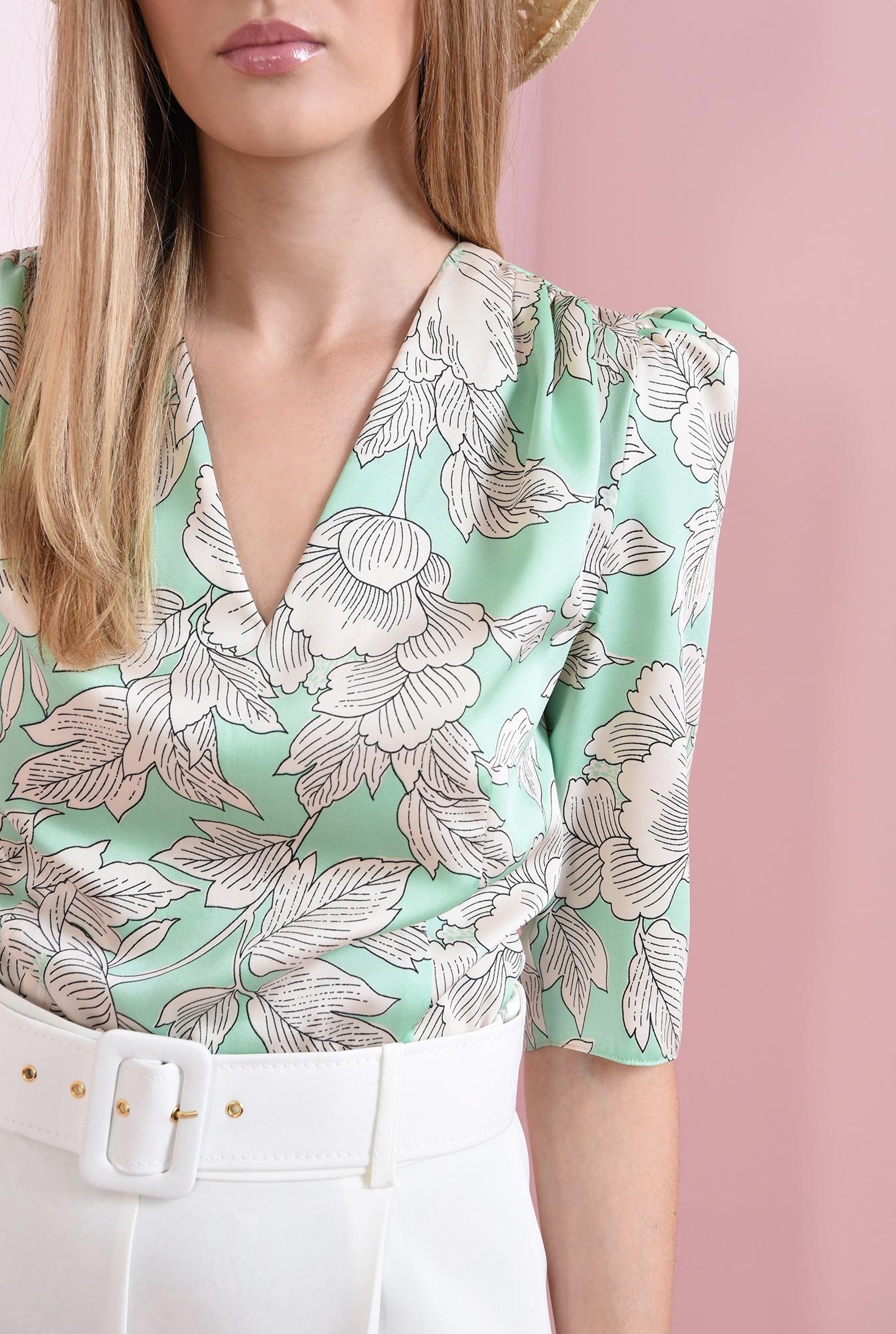 2 - bluza cu imprimeu floral