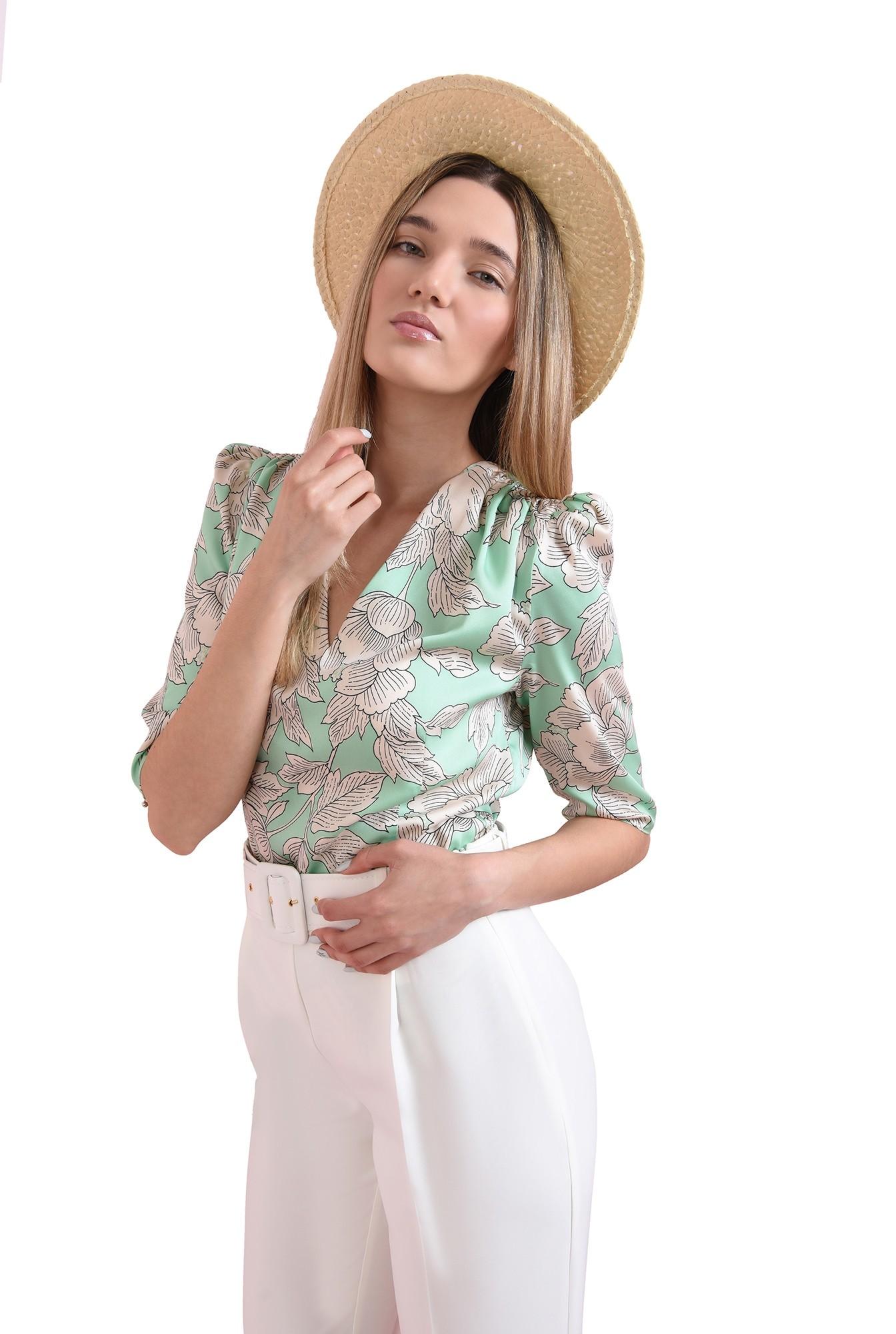 3 - bluza cu imprimeu floral