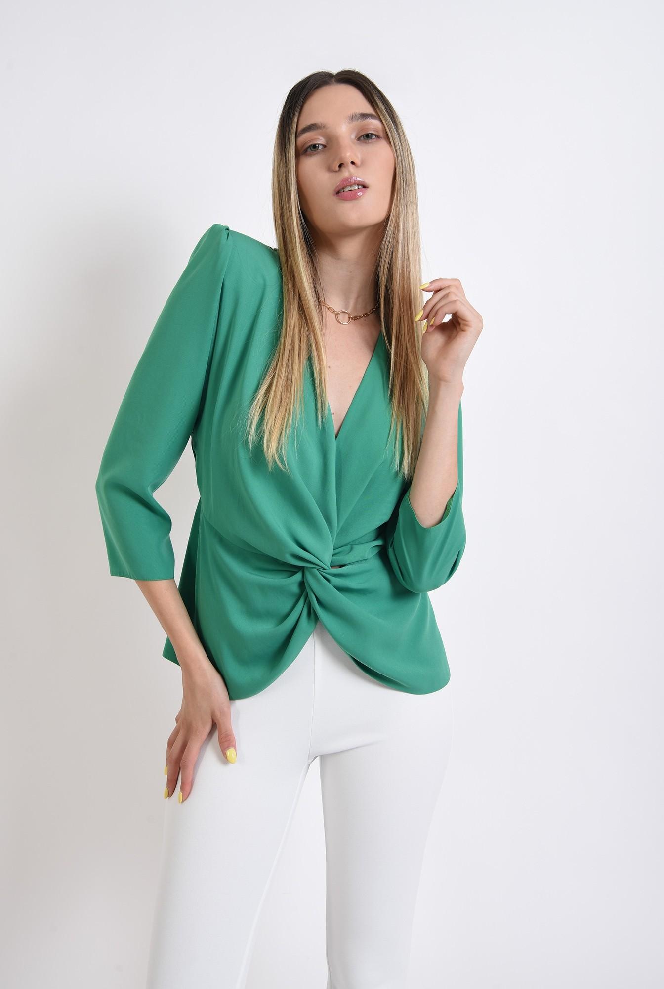 0 - bluza verde, cu drapaj, Poema