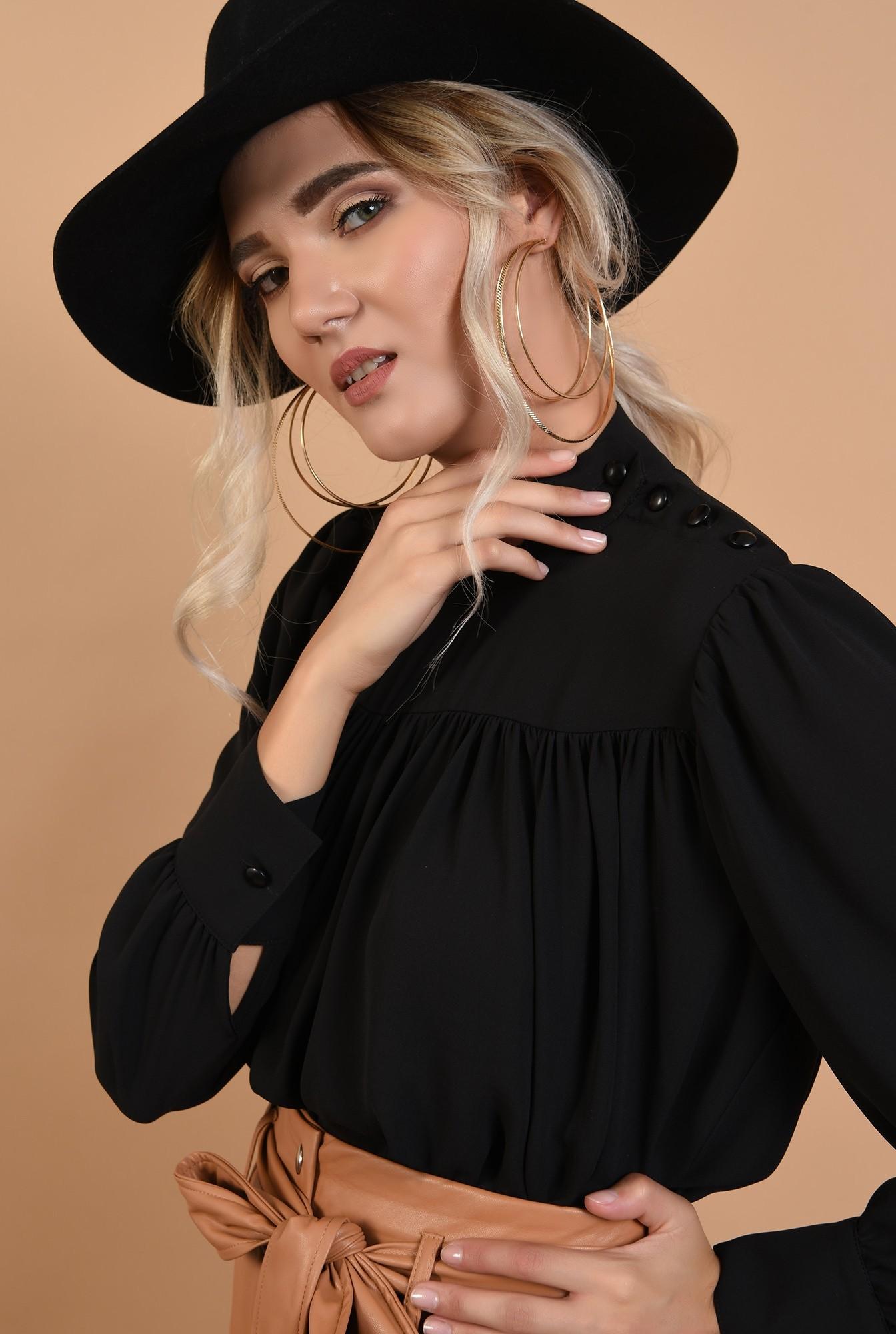 2 - bluza neagra, casual, cu platca incretita, nasturi la umar