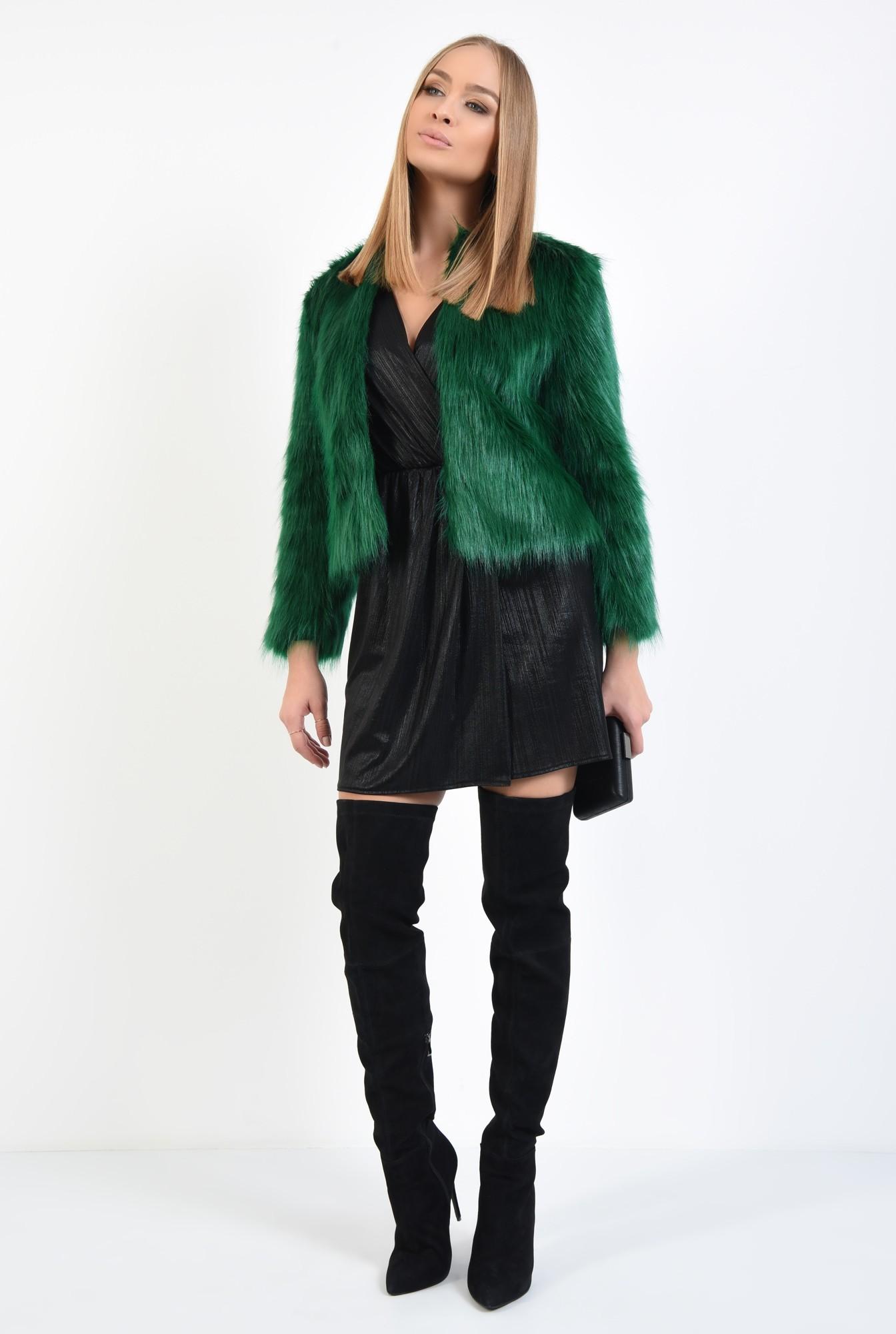 3 - jacheta verde, blana artificiala, maneci lungi