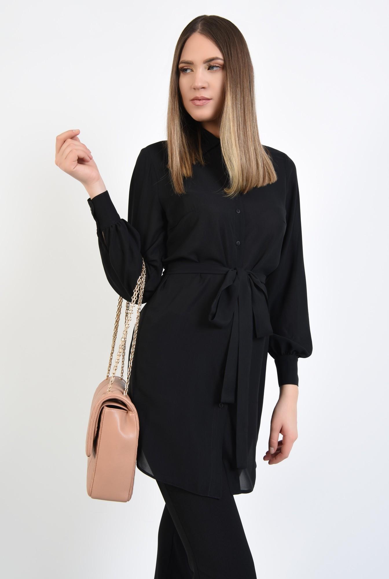 2 - camasa lunga, neagra, cu cordon, funda la talie, tunica