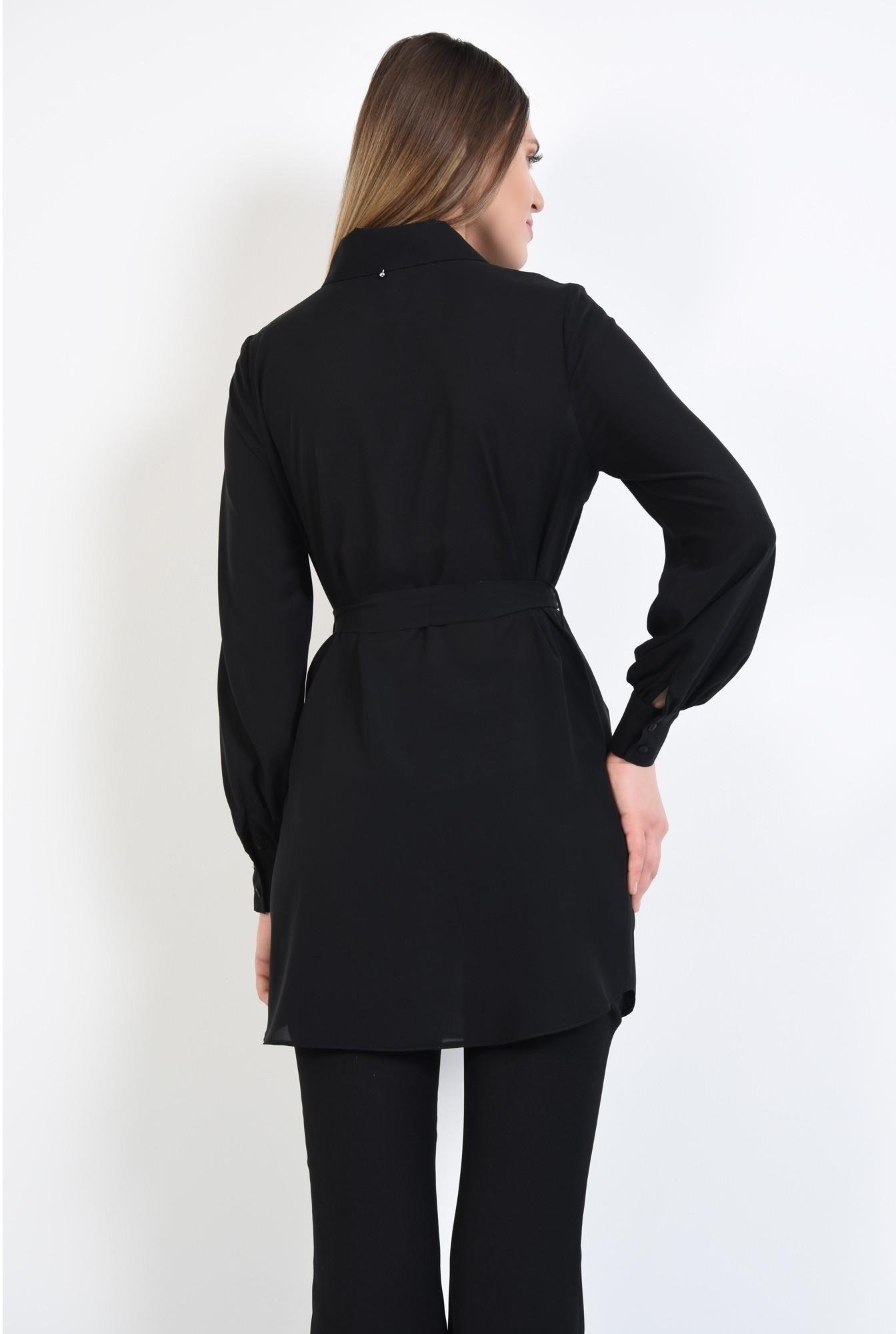 1 - camasa lunga, neagra, cu cordon, funda la talie, tunica
