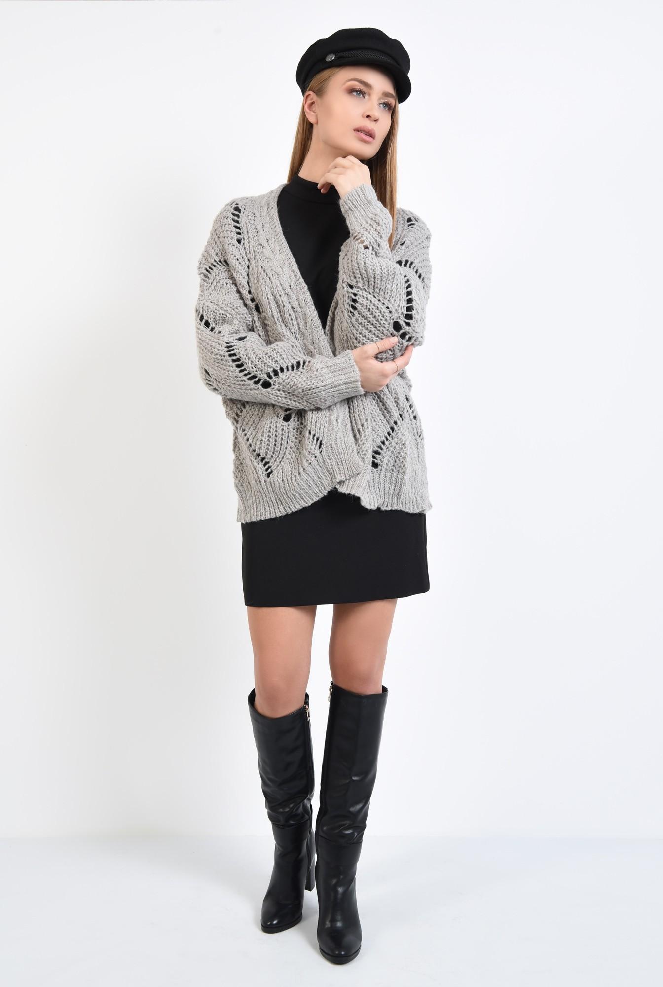 3 - cardigan tricotat, gri, fara sistem de inchidere, cu gaurele