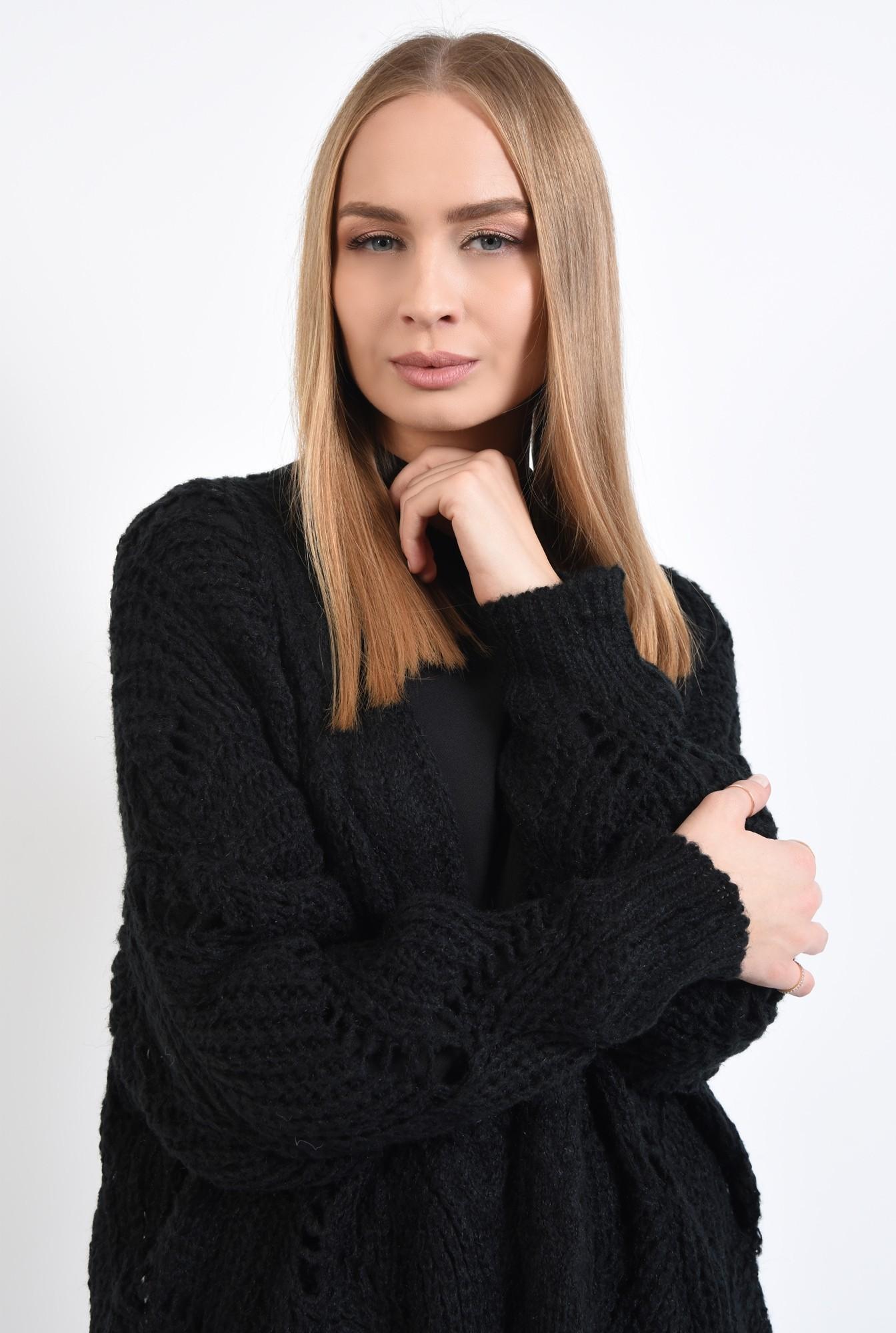 2 - pulover cu gaurele, motive ajurate, maneci bufante, negru