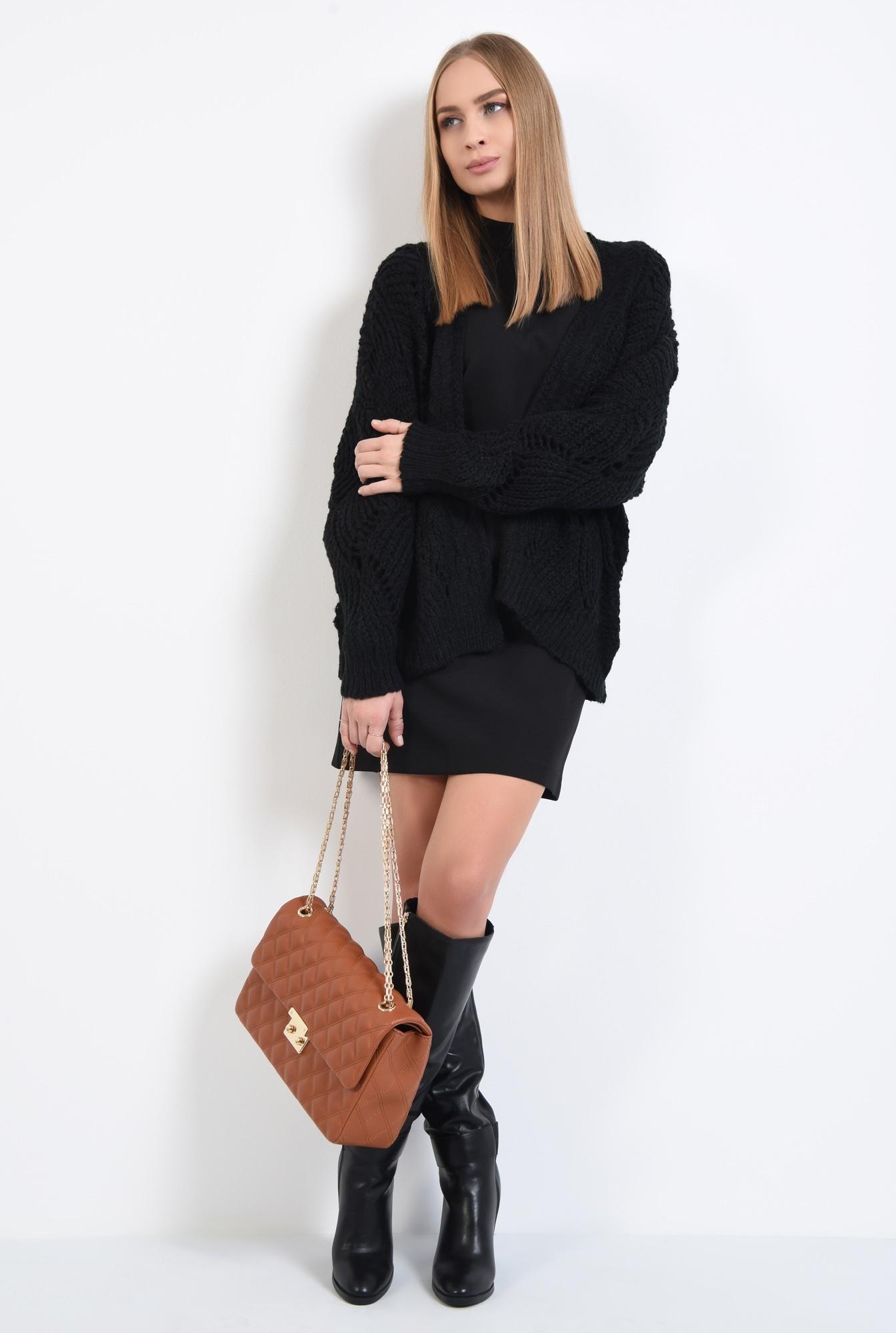 3 - pulover cu gaurele, motive ajurate, maneci bufante, negru
