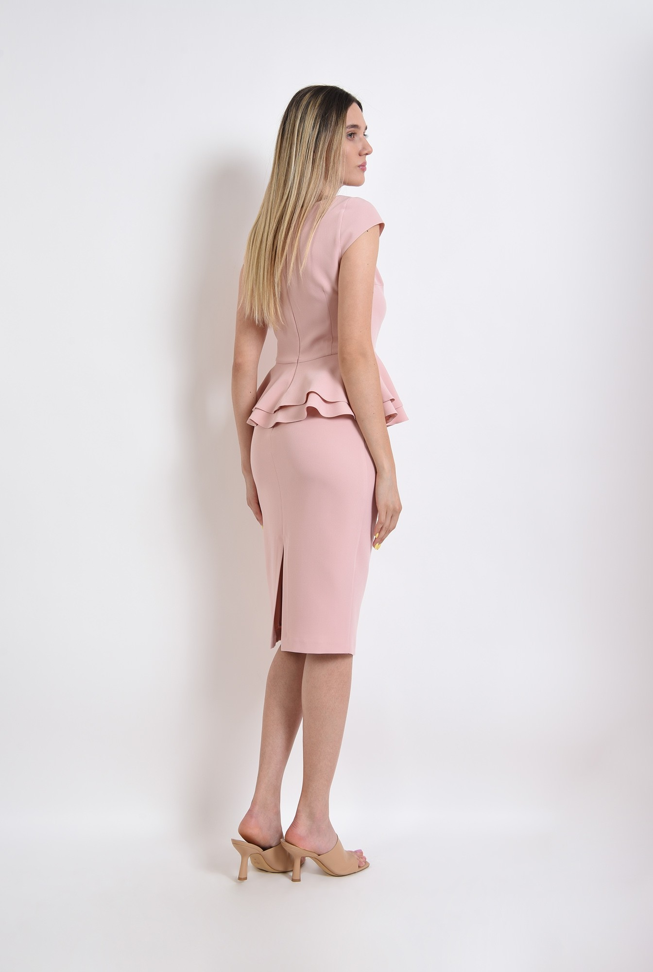 1 - compleu roz, fusta midi, top cu peplum, compleu elegant