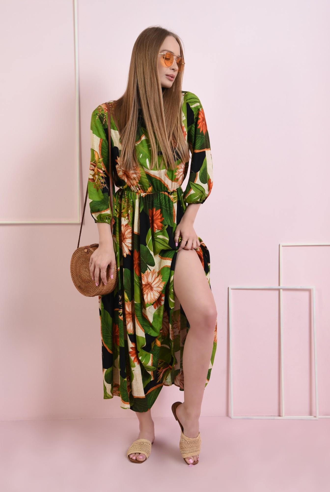2 - rochie evazata, cu print floral