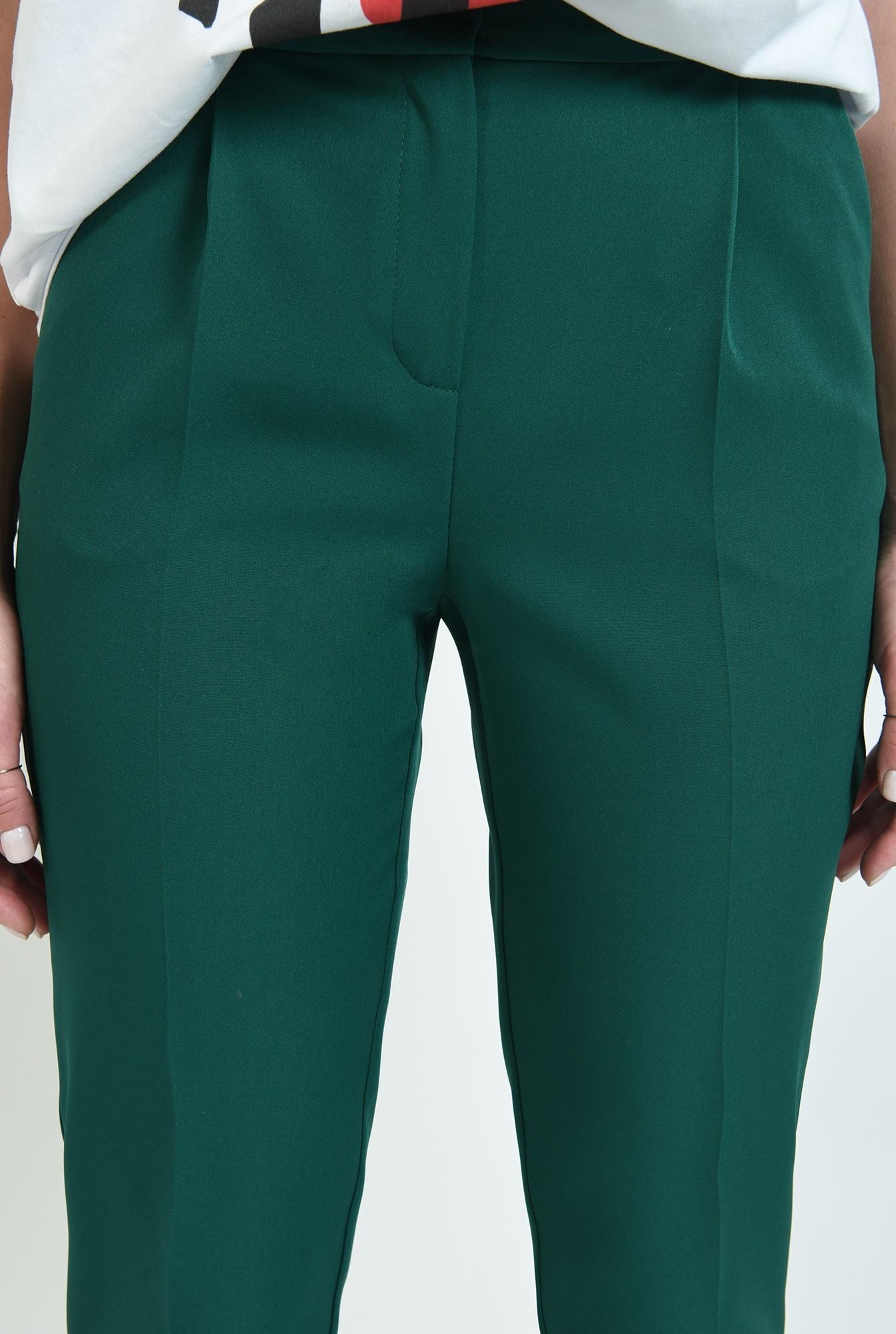 2 - pantaloni lungi, conici, cu buzunare laterale
