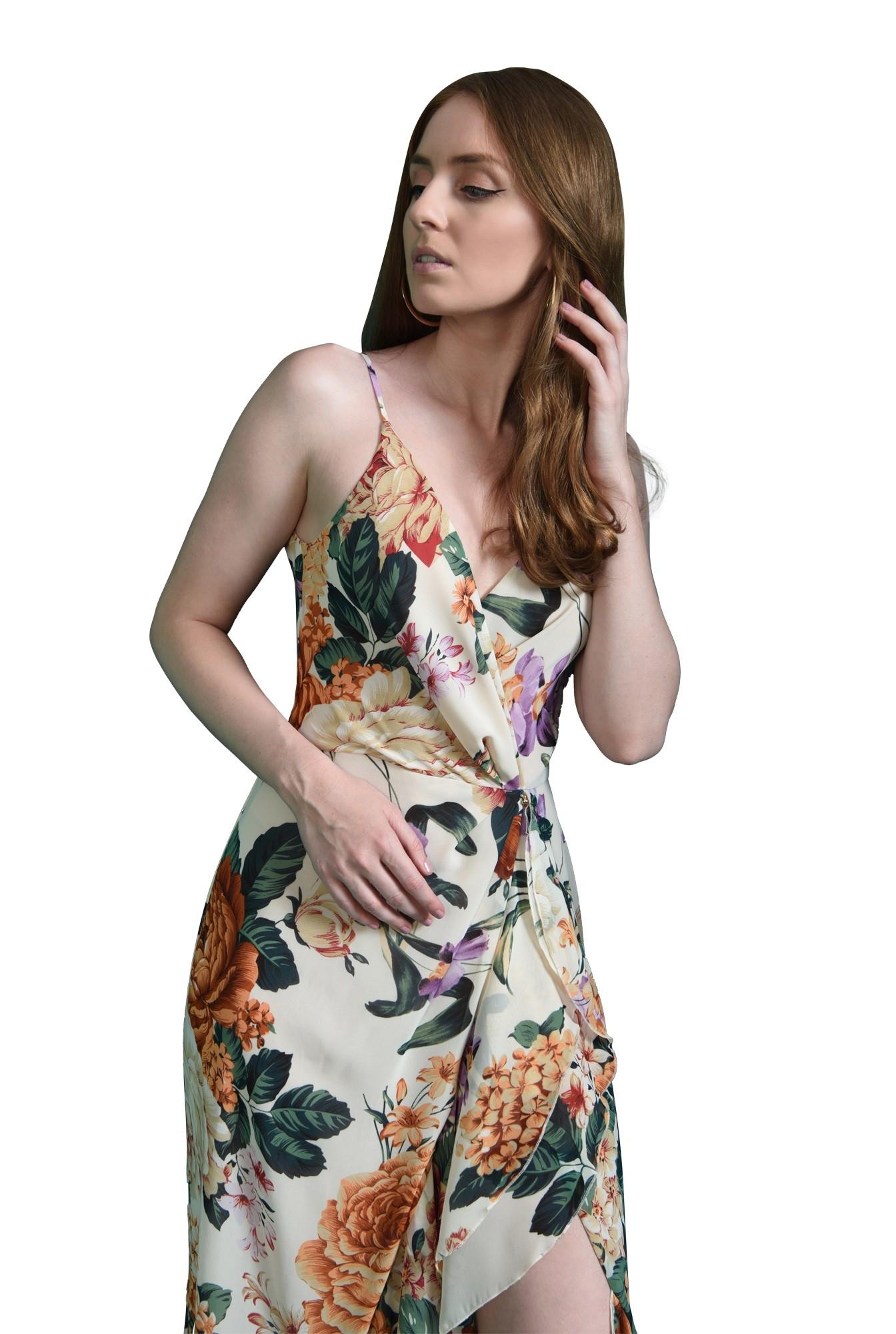 3 - rochie cu decolteu suprapus, cu flori