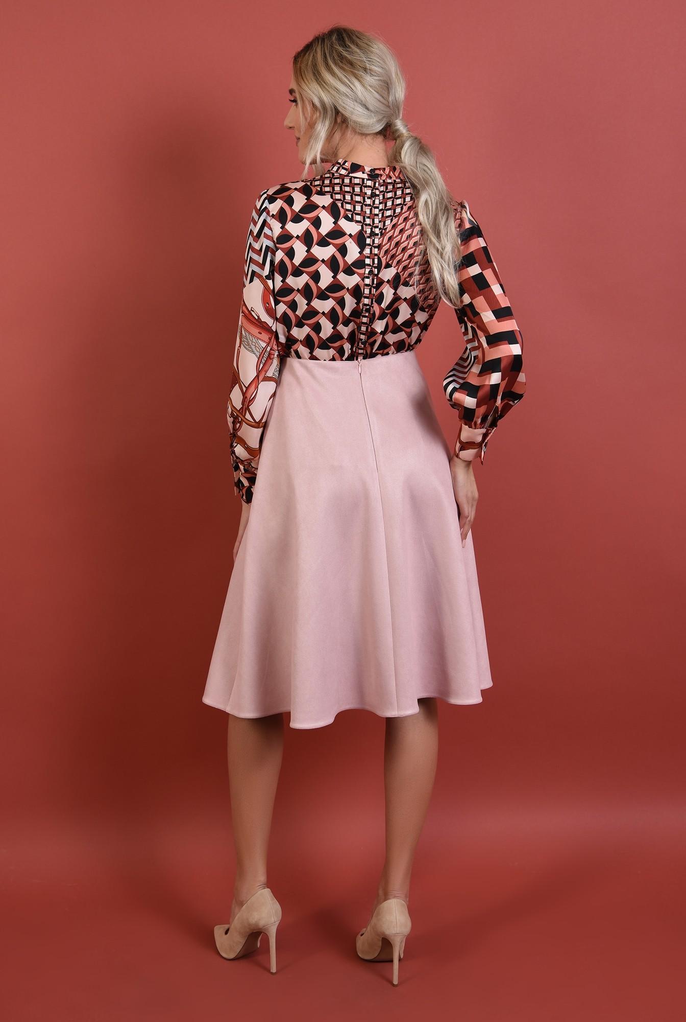 1 - 360 - fusta evazata, roz pudrat, talie inalta, cu betelie, casual