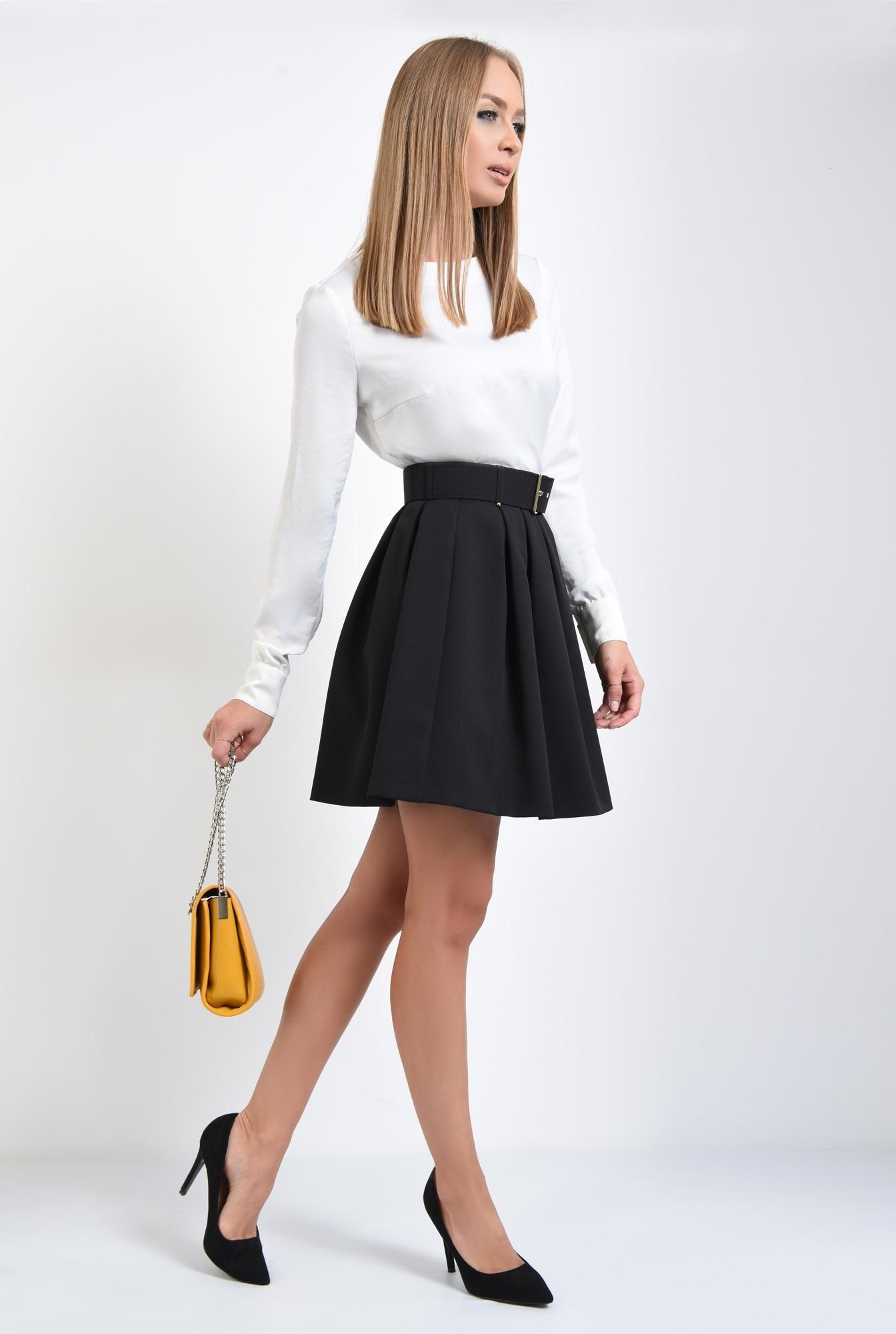 3 - fusta neagra, plisata, centura, curea cu capse aurii, fuste online