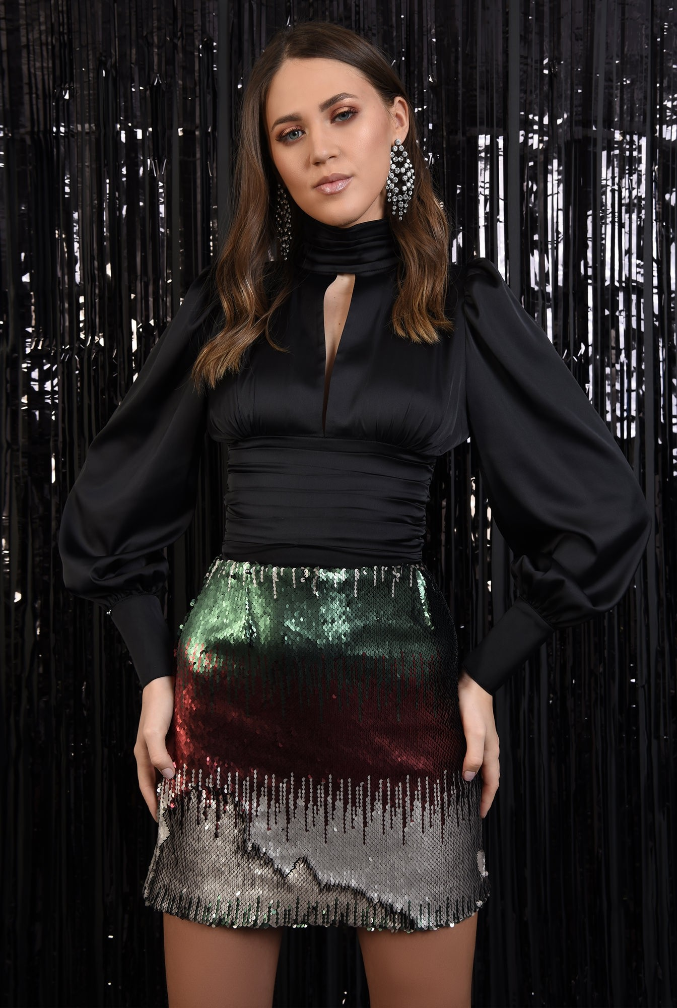 0 - fusta eleganta, paiete multicolore, scurta, croi drept