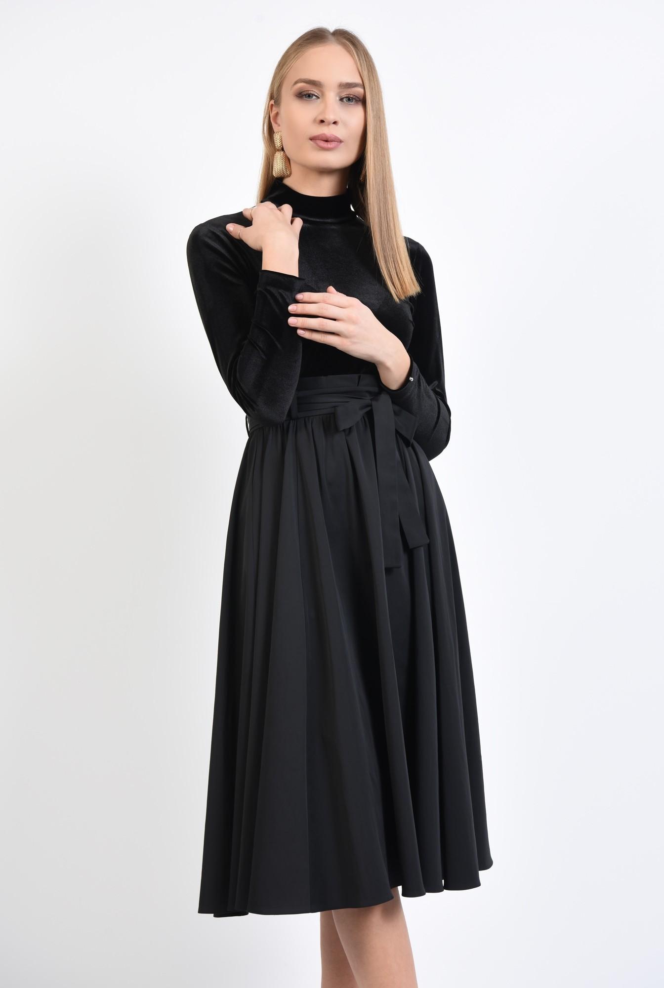 0 - 360 - fusta neagra eleganta, croi evazat, falduri, betelie plisata cu cordon