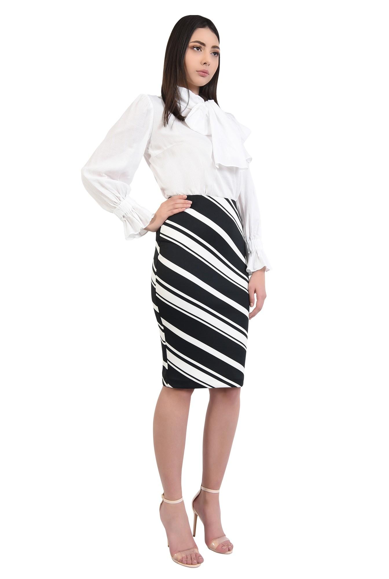 3 - 360 - fusta casual, creion, croi conic, dungi alb-negru, talie inalta