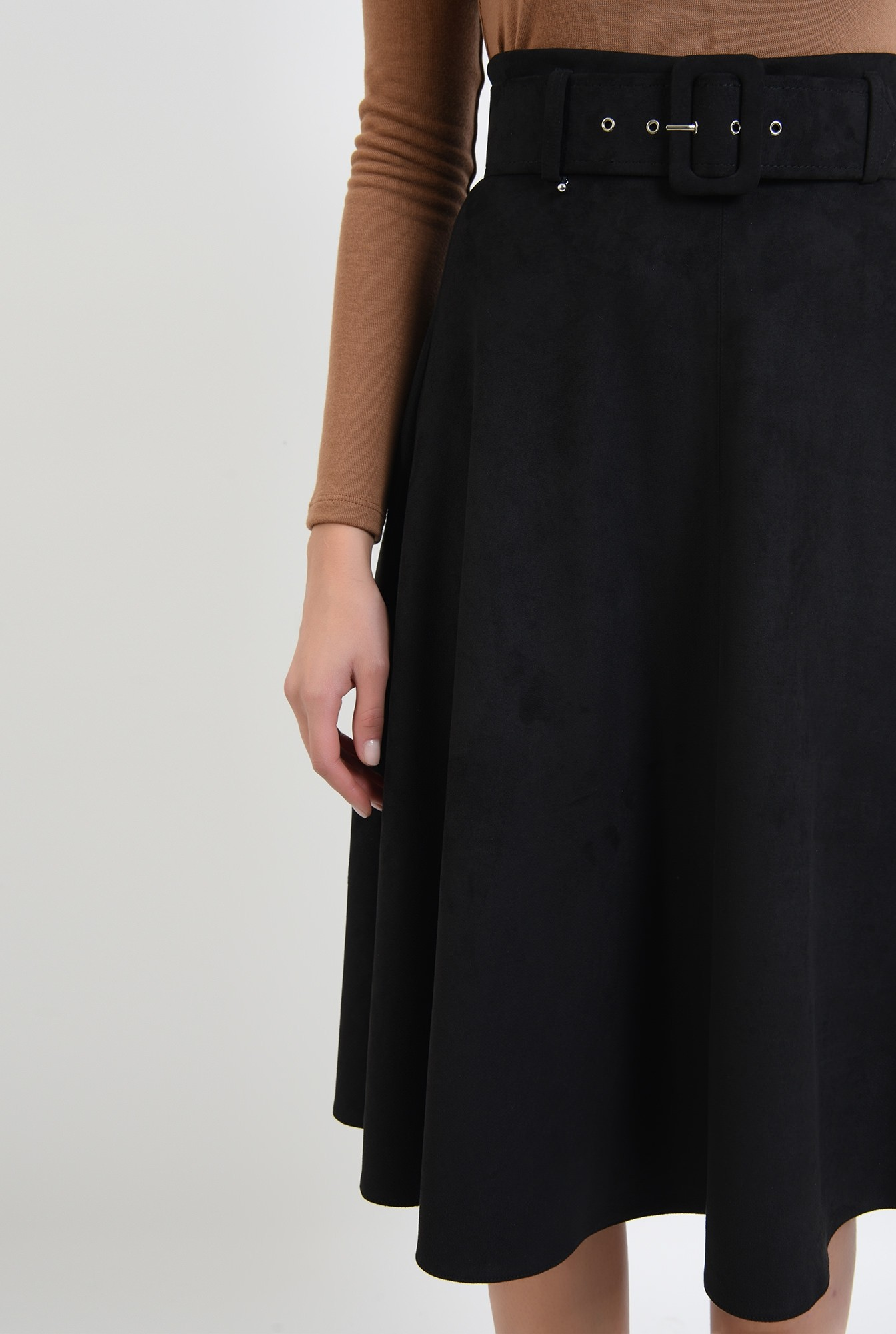 2 - fusta evazata, neagra, midi, cu centura