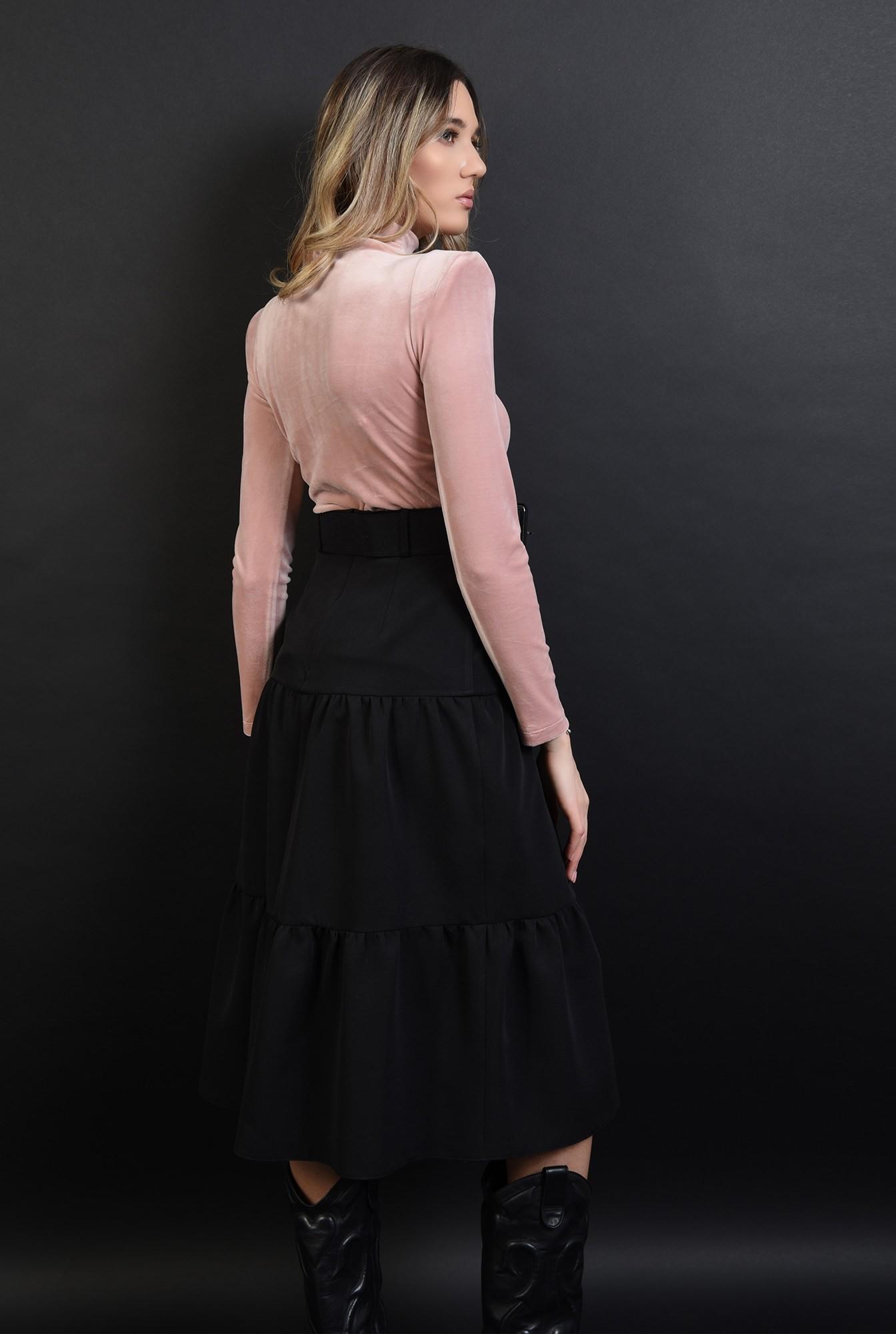 2 - fusta evazata, neagra, cu centura, cu detaliu dantela
