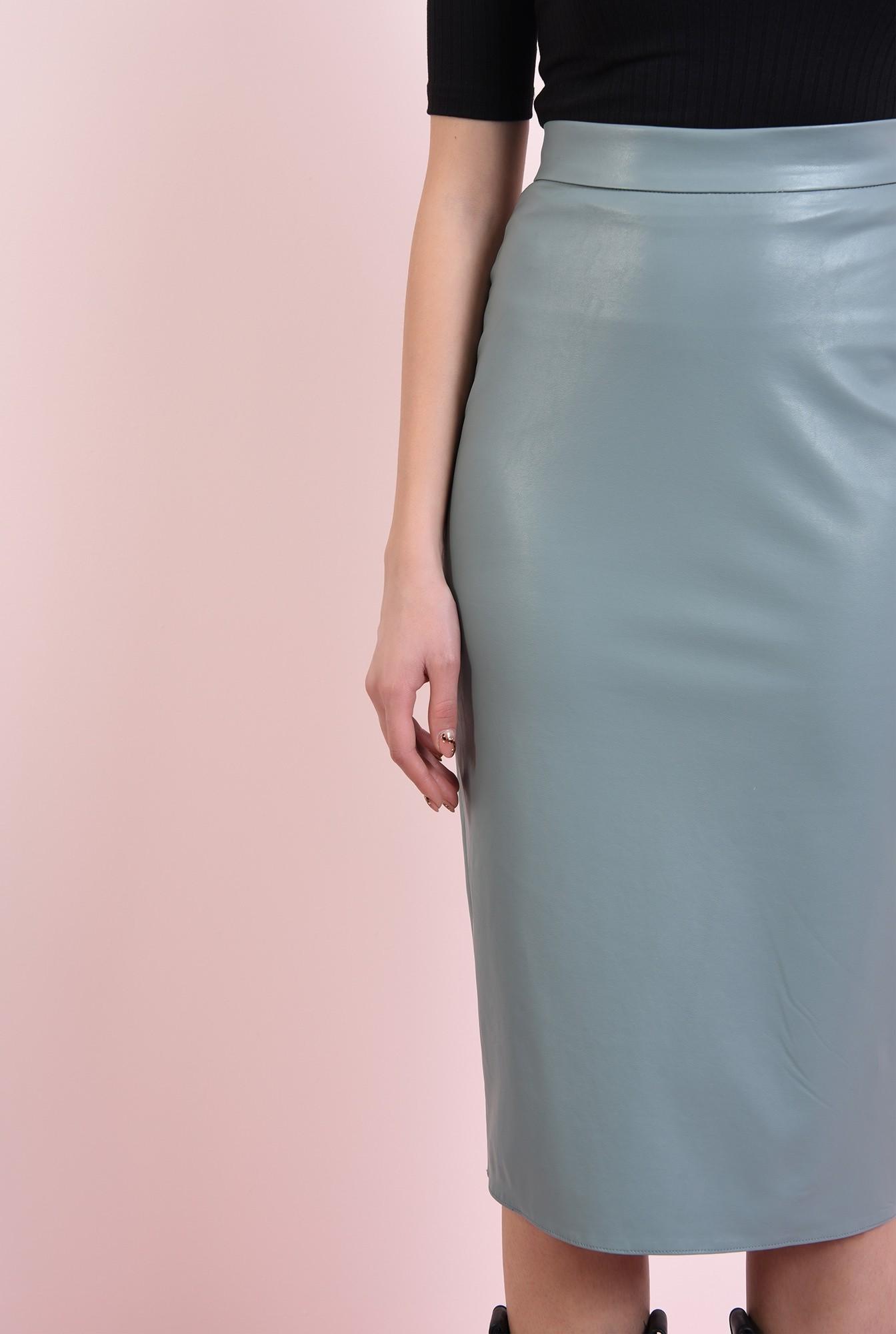 2 - fusta casual, cu lungime medie