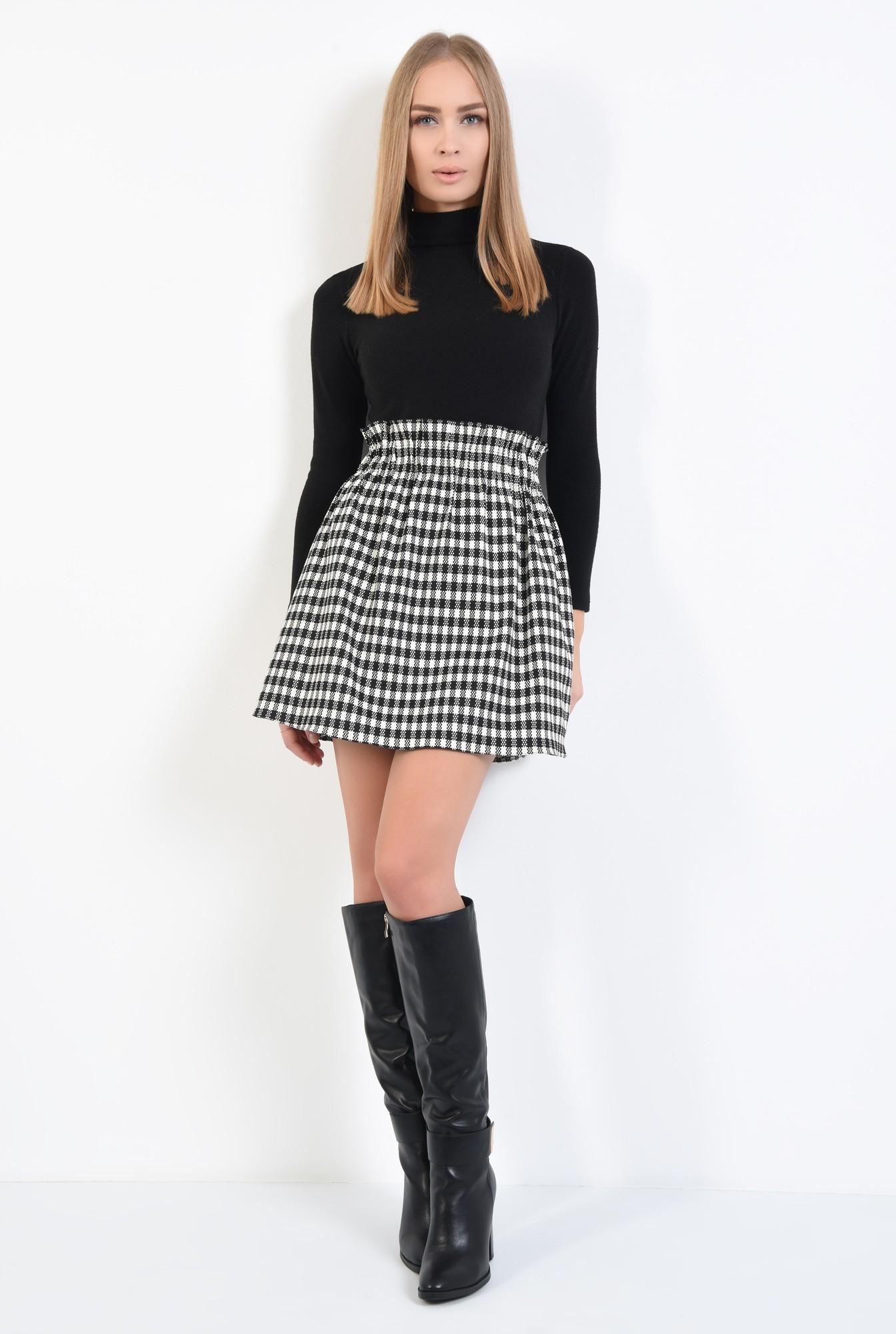3 - fusta de zi, carouri alb-negru, mini, buzunare