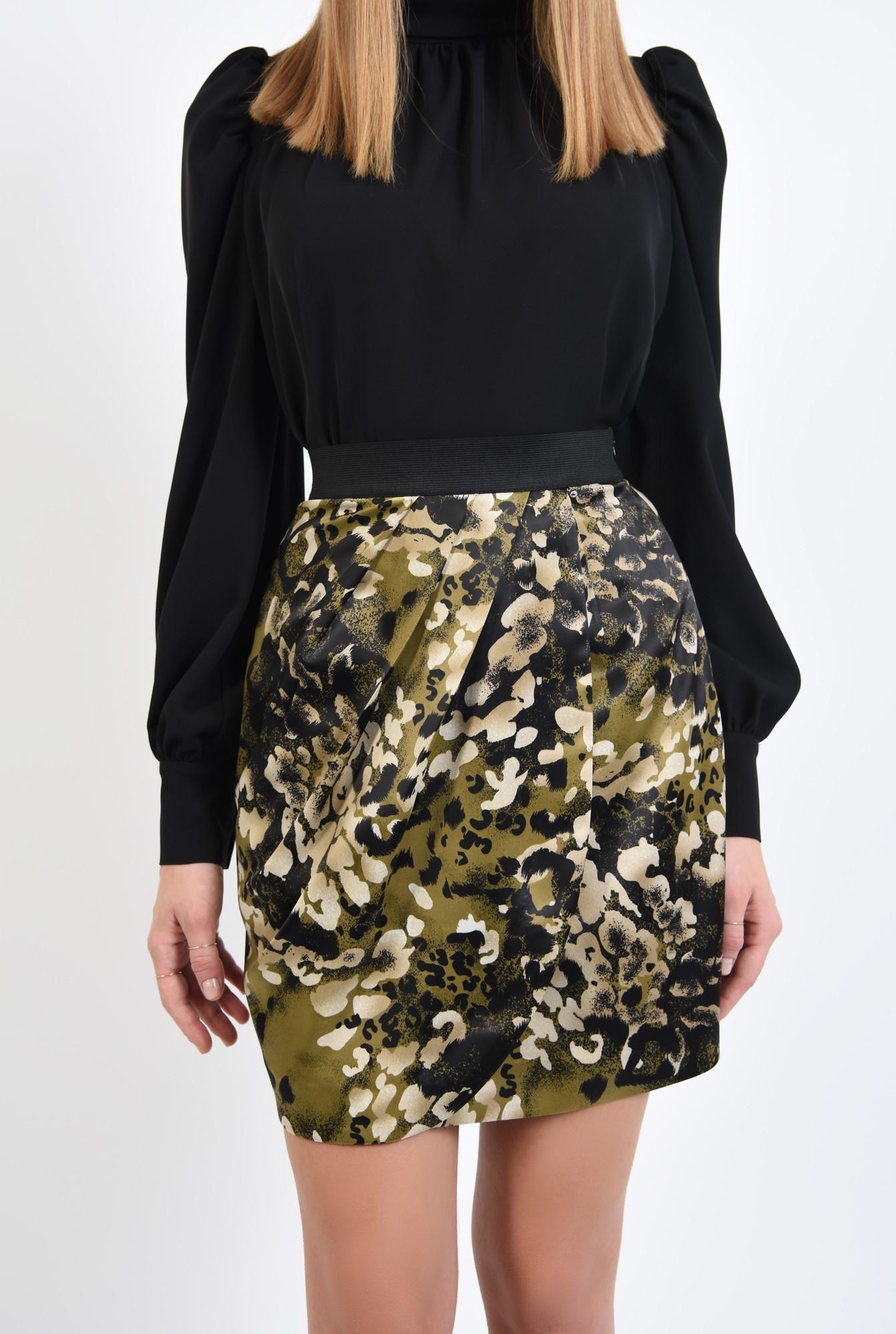 2 - fusta eleganta, din satin, cu print, kaki, usor drapata