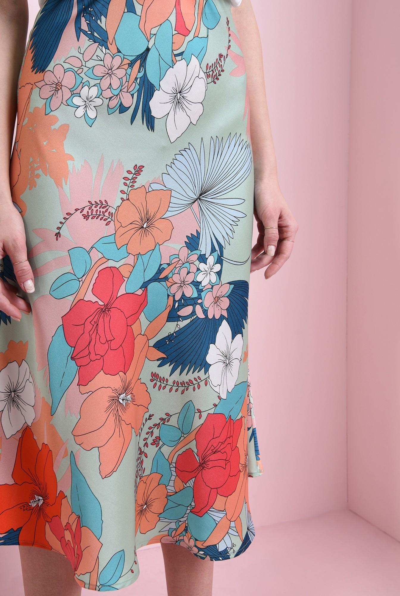 1 - fusta cu imprimeu multicolor, evazata