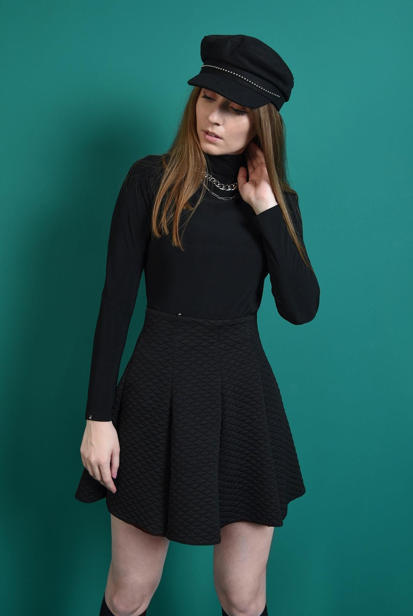 0 - fusta casual, scurta, din material matlasat