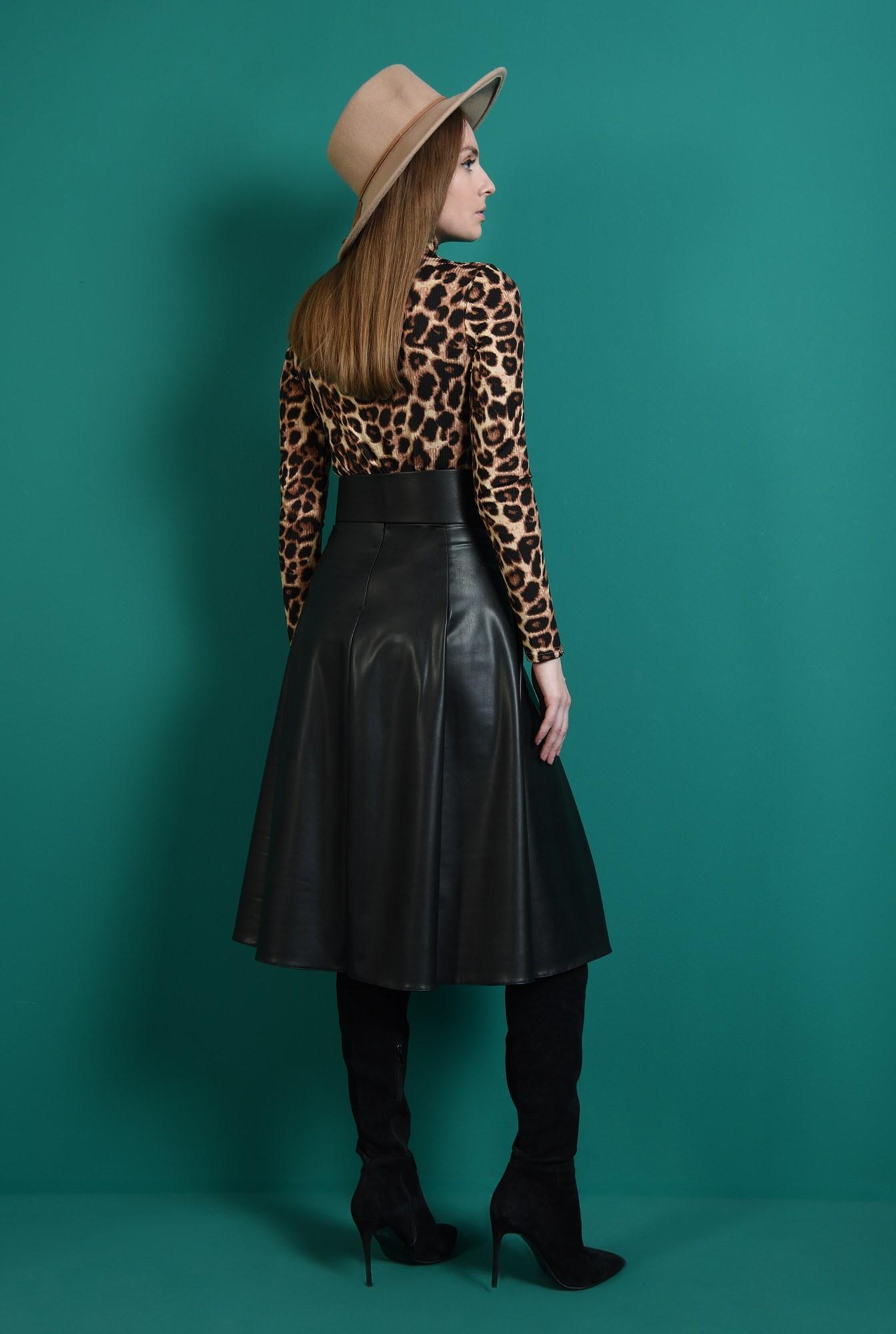 2 - fusta neagra, cu pliuri, evazata, Poema