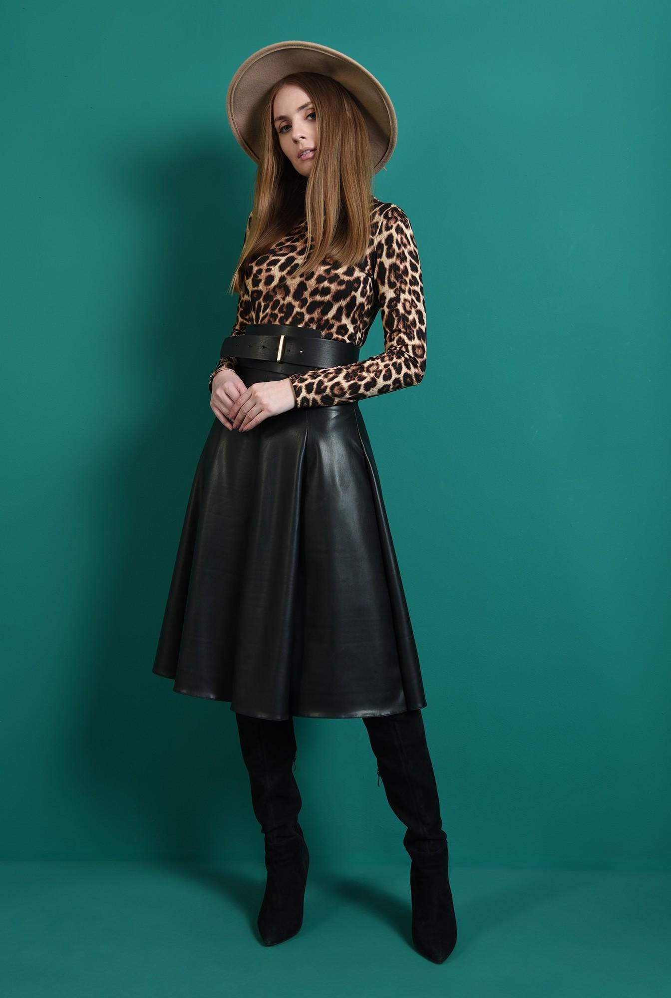0 - fusta neagra, cu pliuri, evazata, Poema