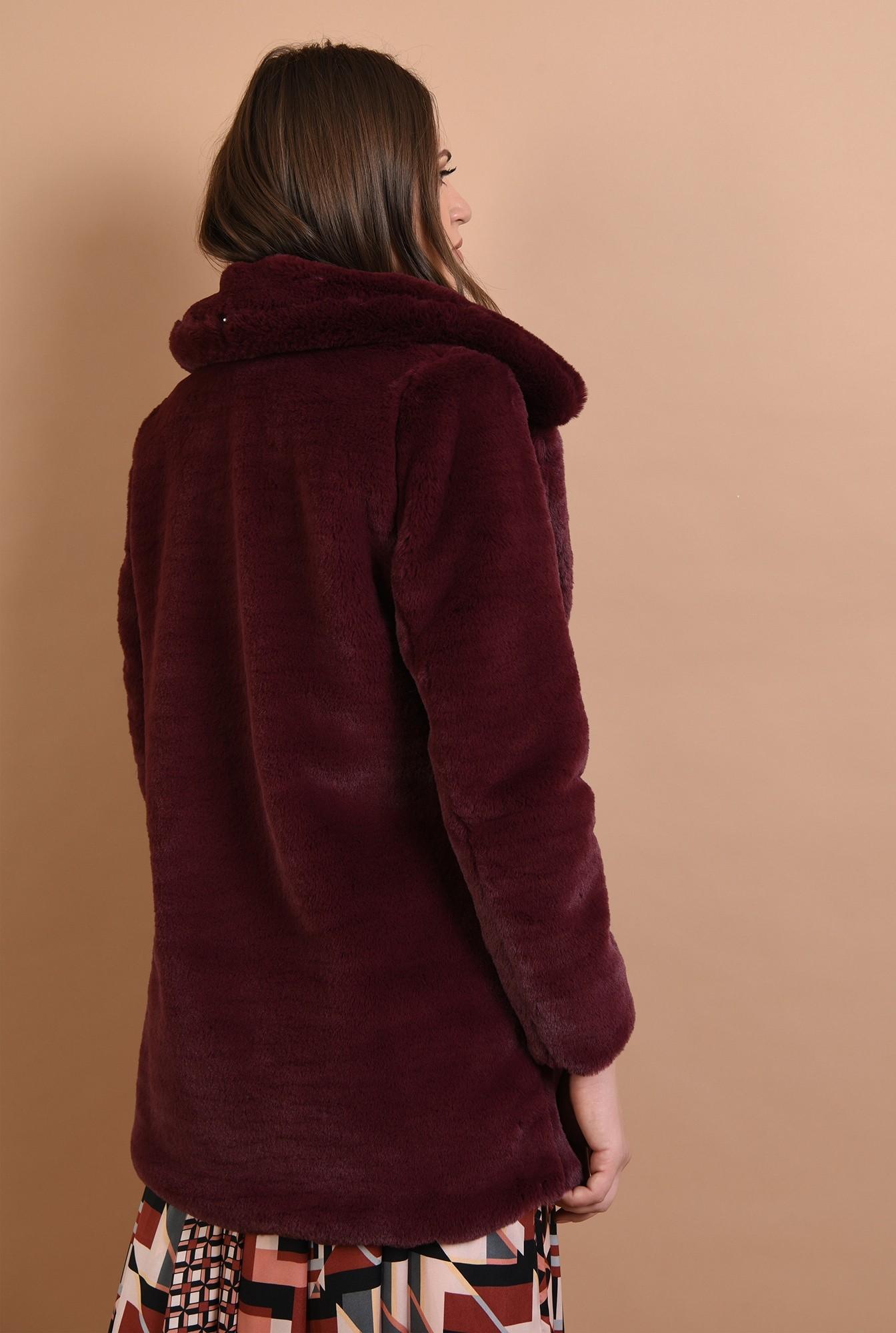 1 - jacheta din blana, grena, scurta, cu revere, Poema