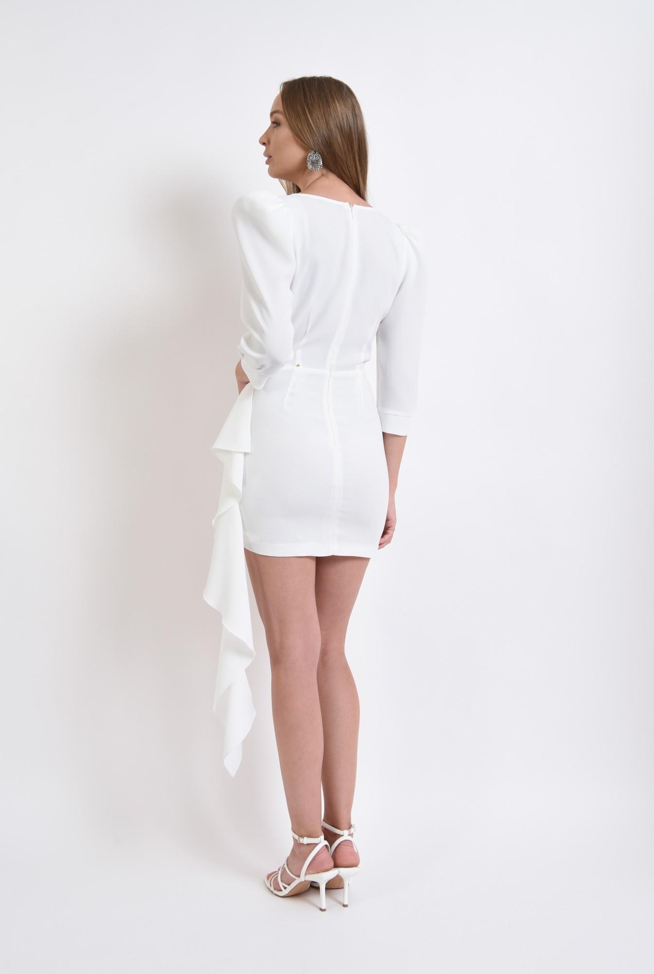 2 - rochie de ocazie, cu umeri accentuati