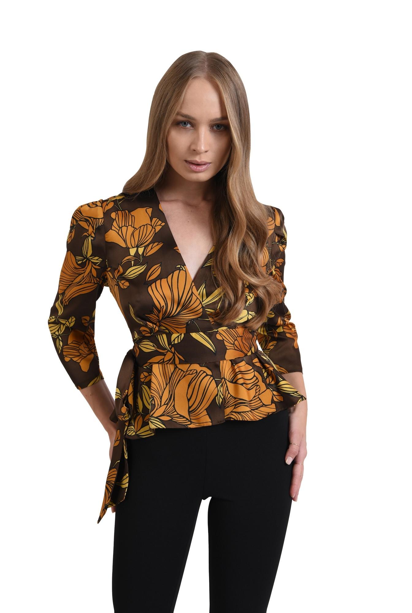 3 - bluza maro, cu flori, cu snur
