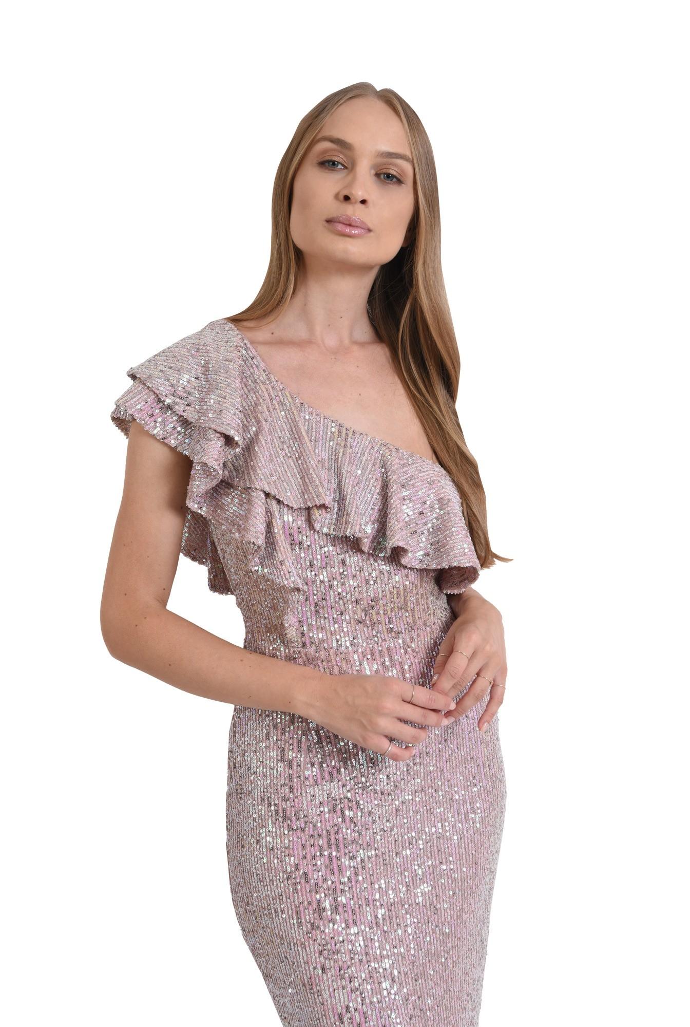 3 - rochie roz, cu paiete, conica, Poema