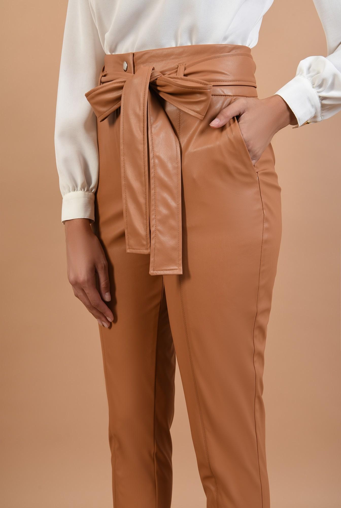 2 - pantaloni tigareta, betelie lata, capse, cusatura pe mijloc