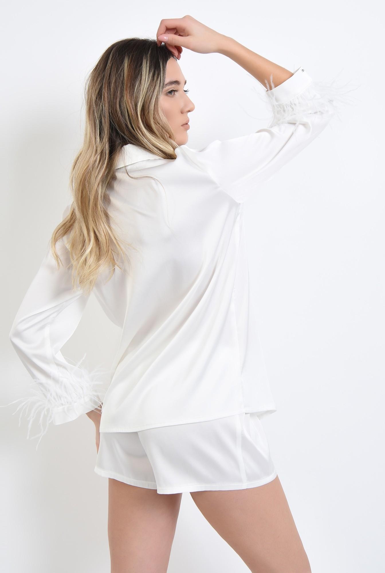 2 - pijama alba, din satin, cu pene de strut