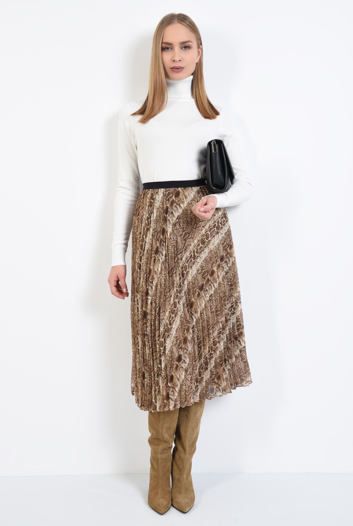 3 - pulover tip maleta, alb, borduri reiate, guler inalt, bluza tricotata