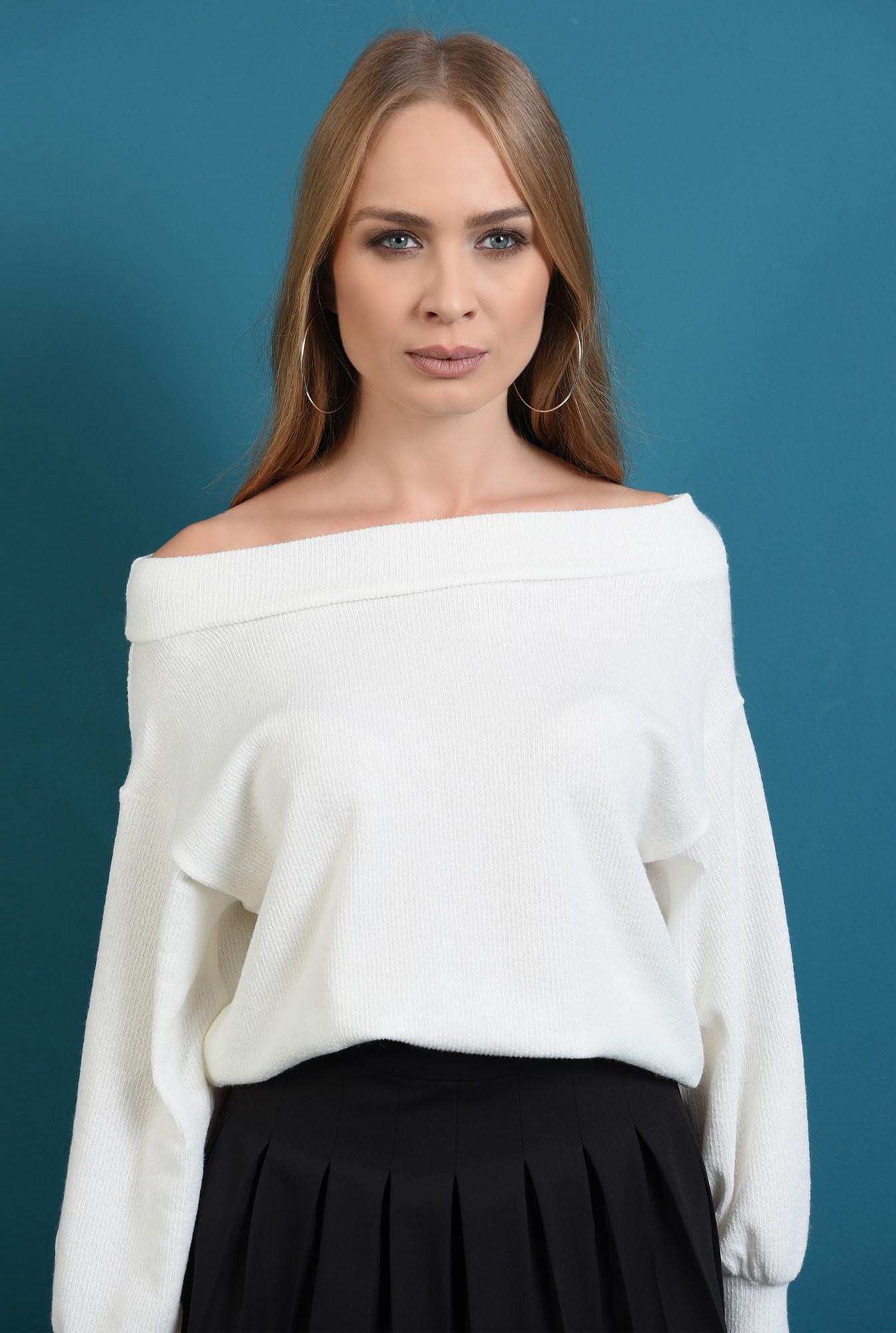 2 - pulover tricotat, alb, cu maneca bufanta