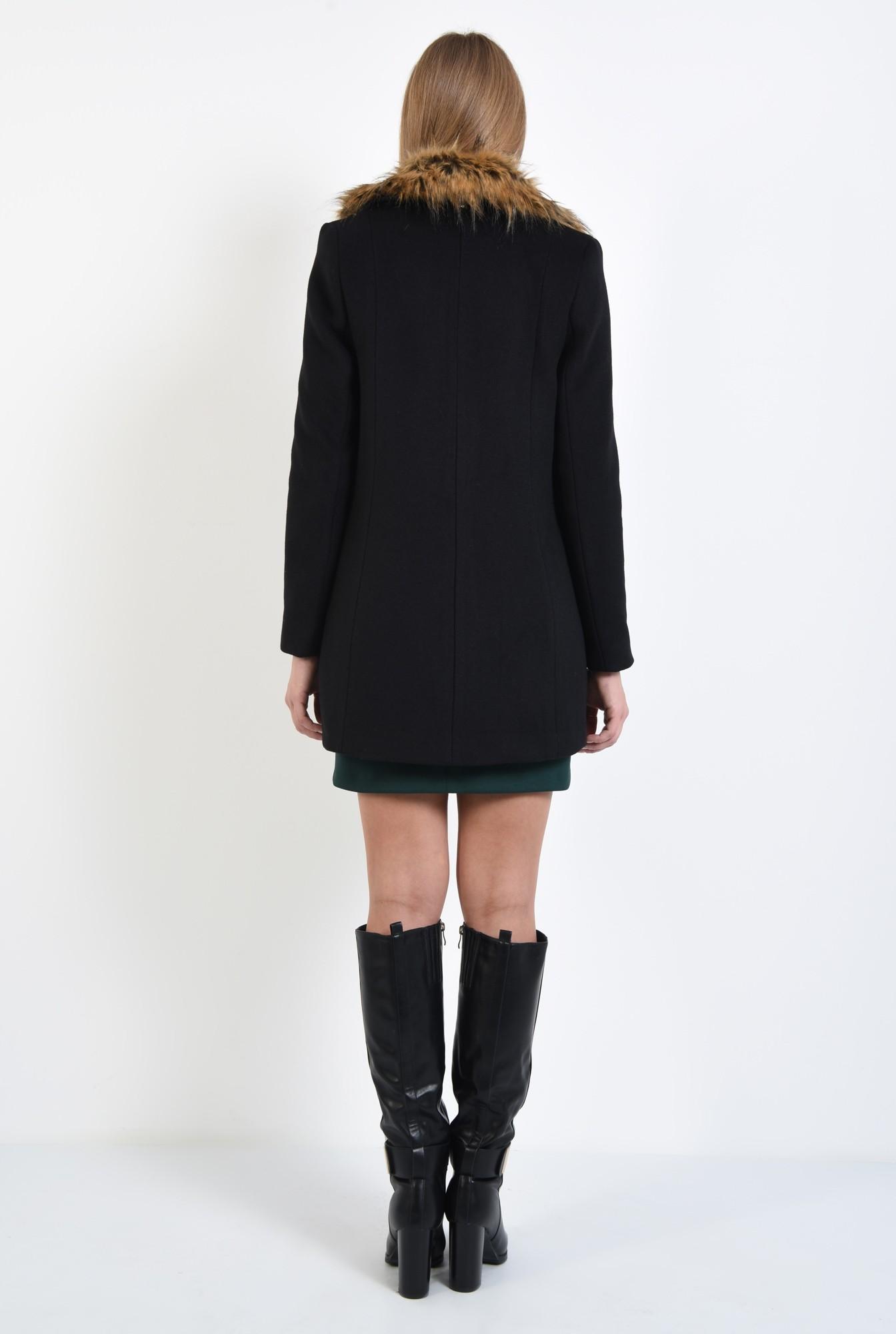 1 - 360 - palton negru, croi drept, nasturi, guler detasabil