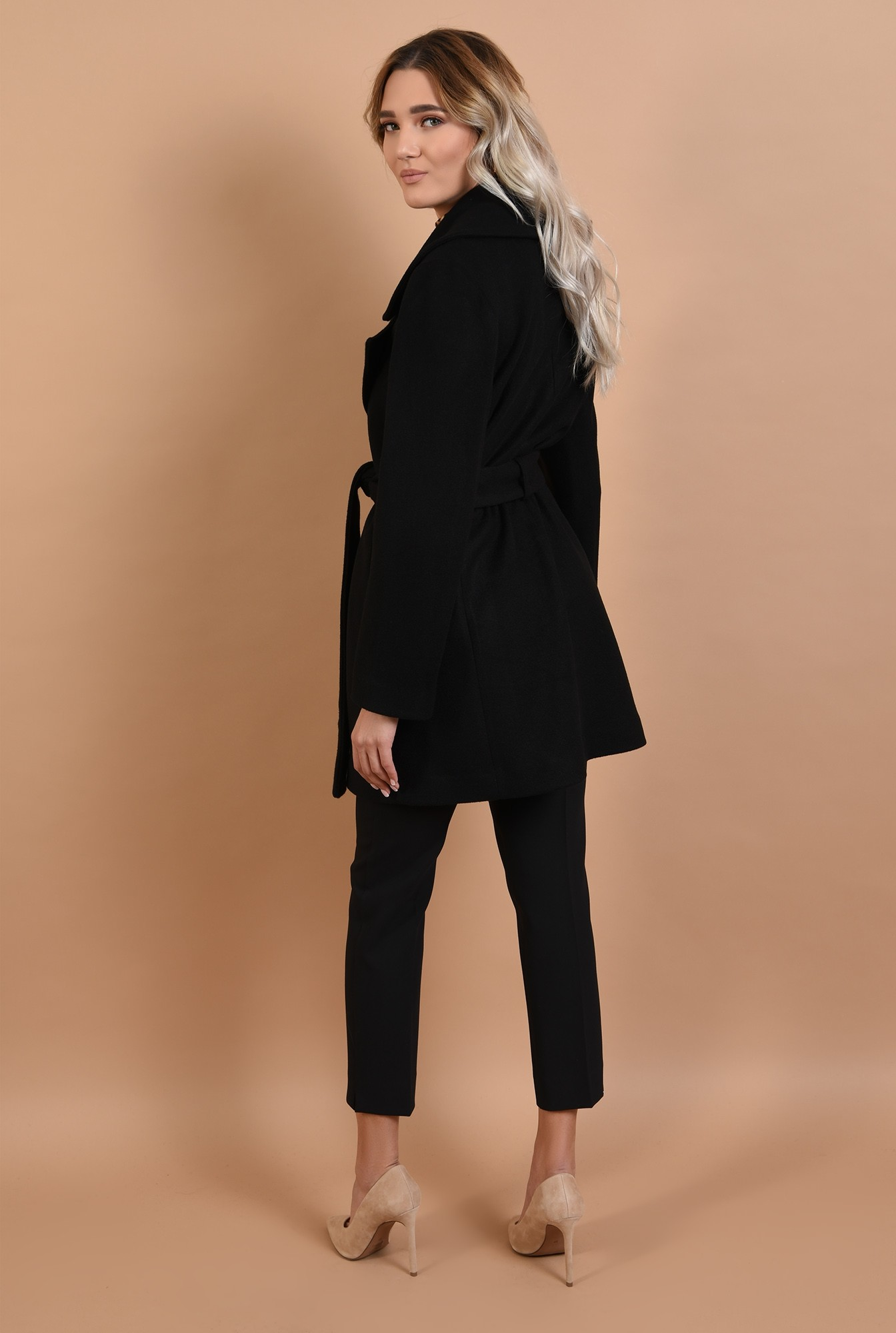 1 - palton scurt, drept, cu cordon, cu revere, palton Poema