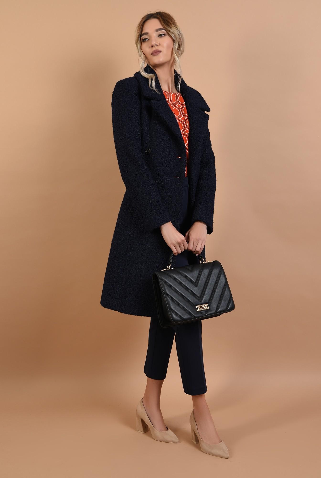 3 - palton bleumarin, cu nasturi, revere crestate, anchior petrecut