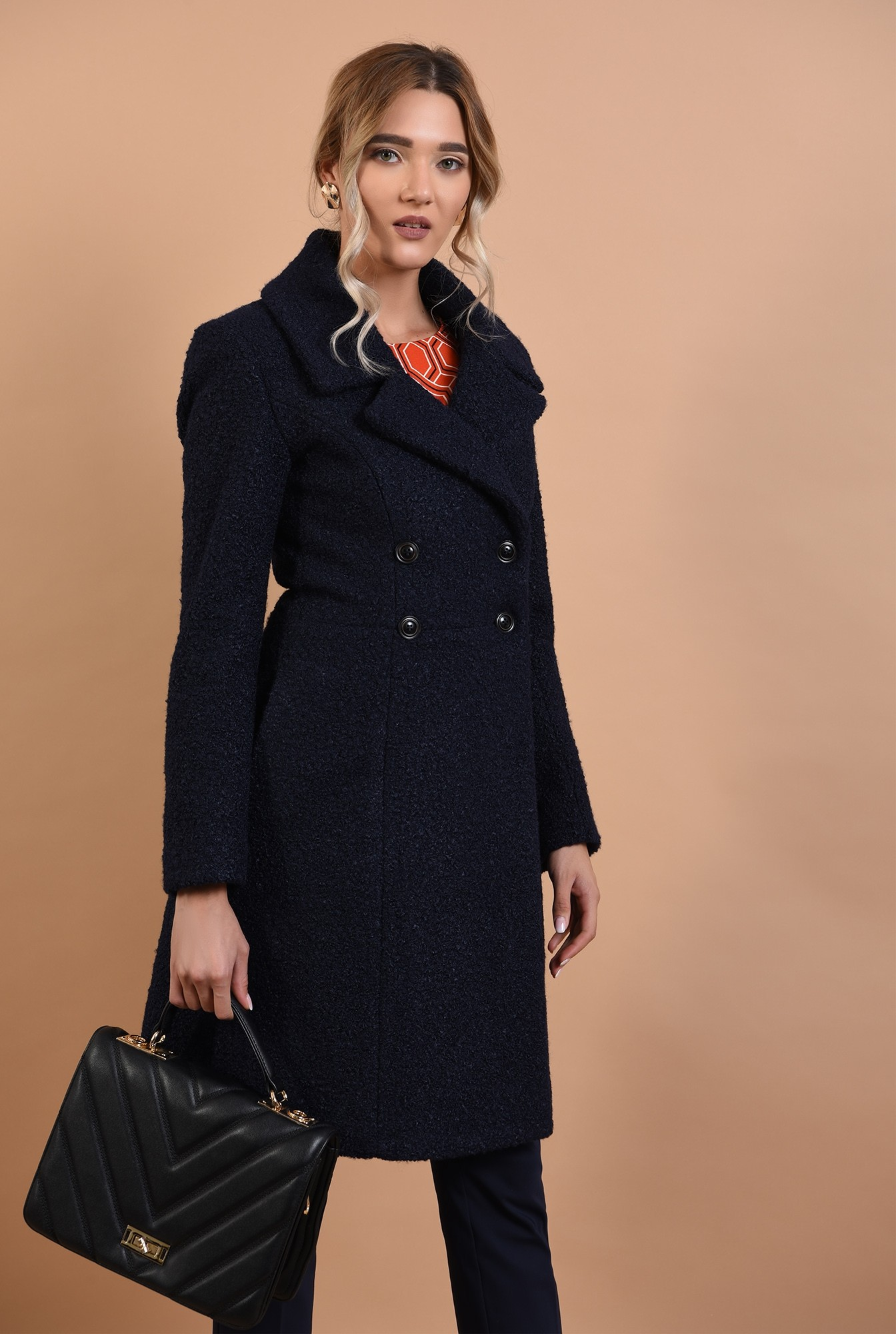 2 - palton bleumarin, cu nasturi, revere crestate, anchior petrecut