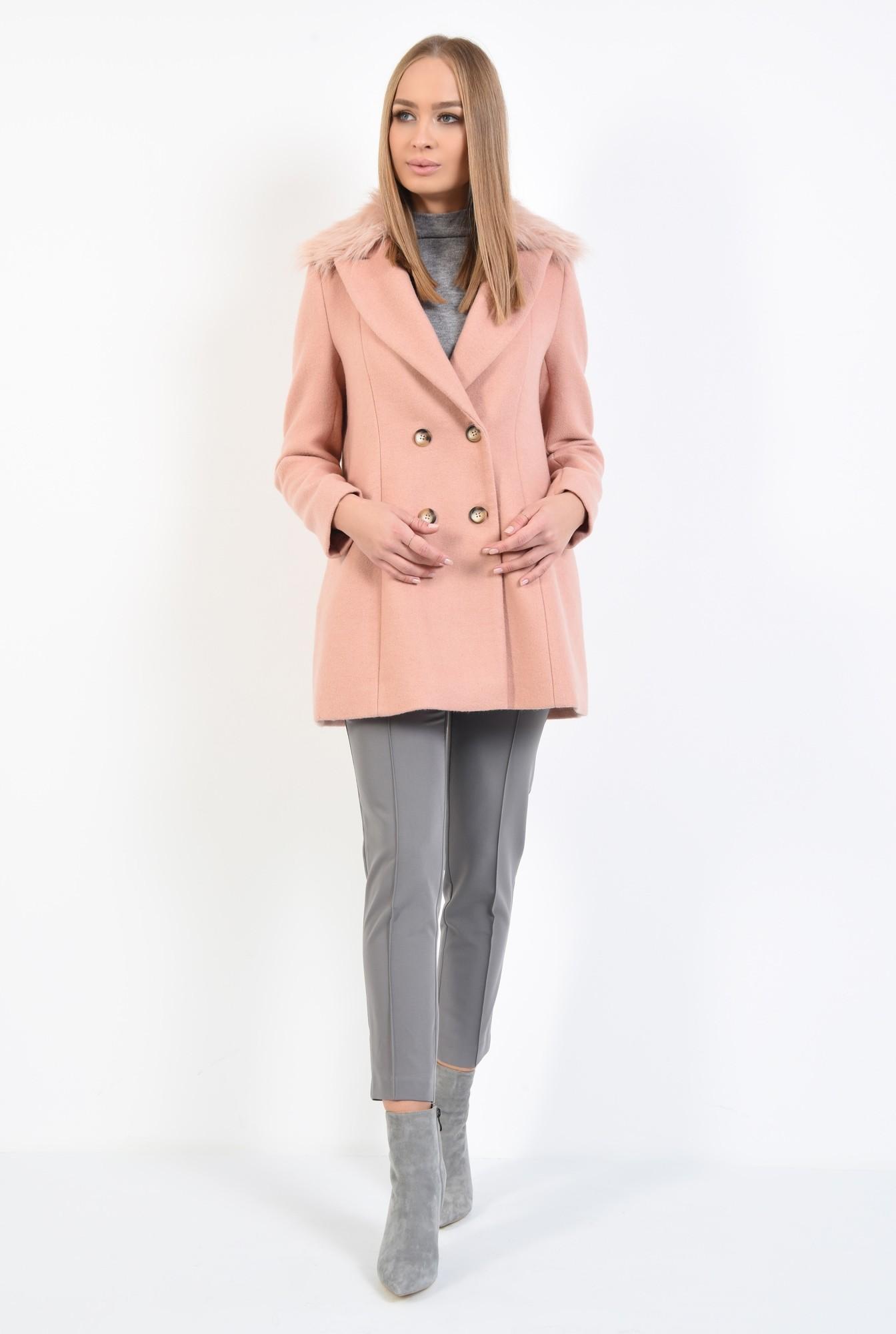 3 - palton din lana, roz, doua randuri de nasturi, guler asortat