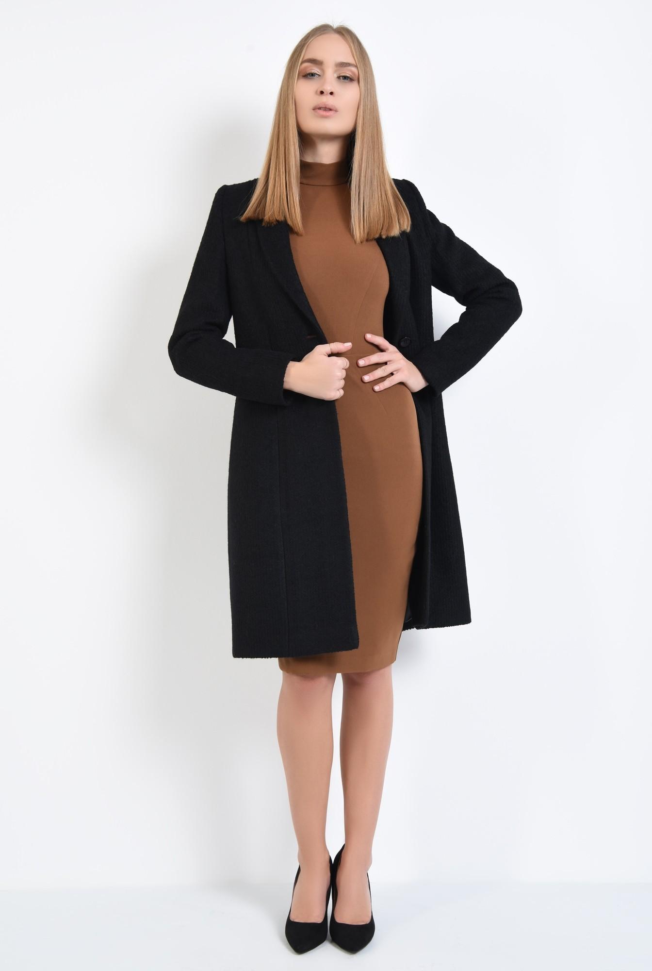 0 - 360 - palton negru, cu revere rotunjite, inchidere cu butoniera