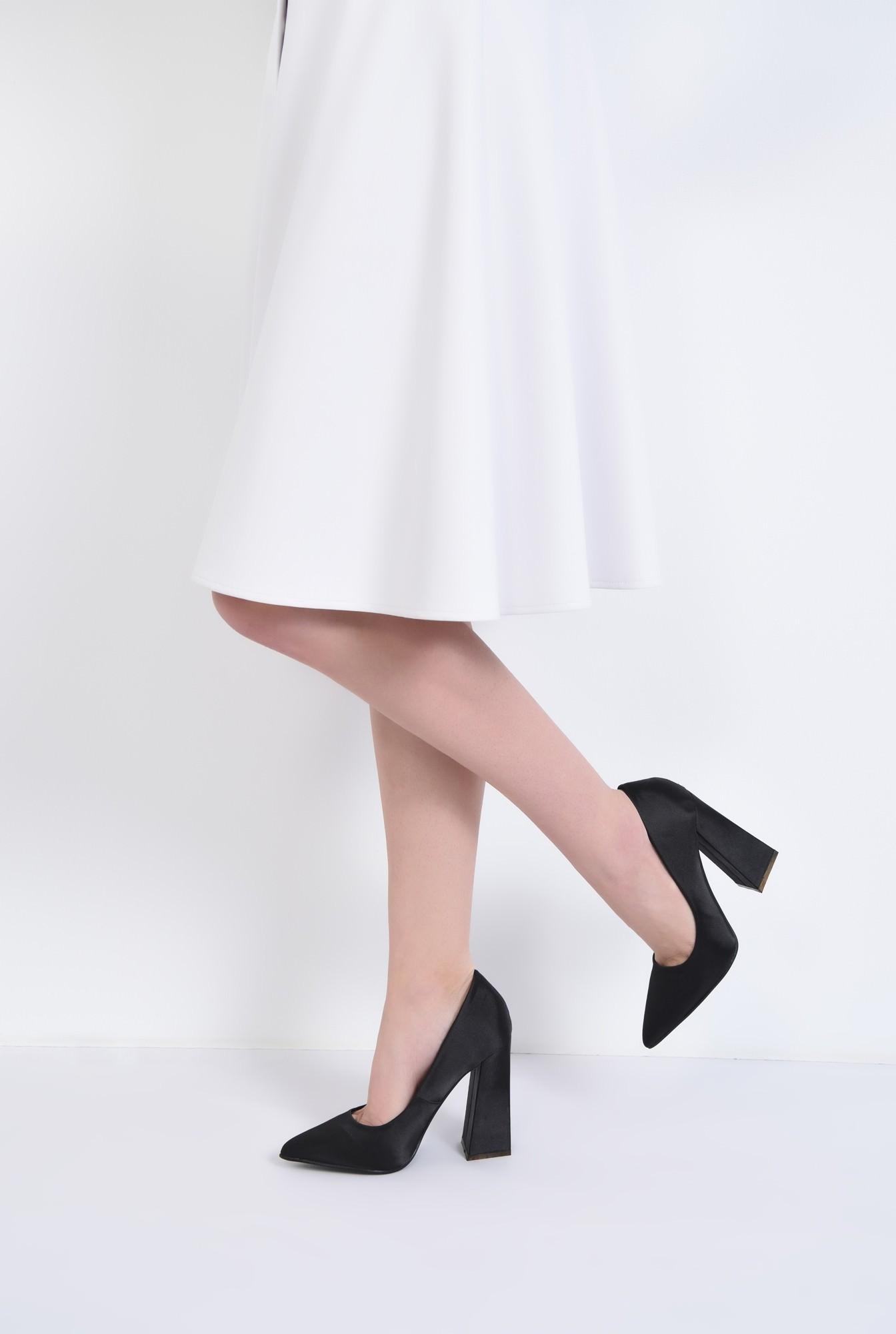 4 - pantofi eleganti, negri, satin, toc inalt