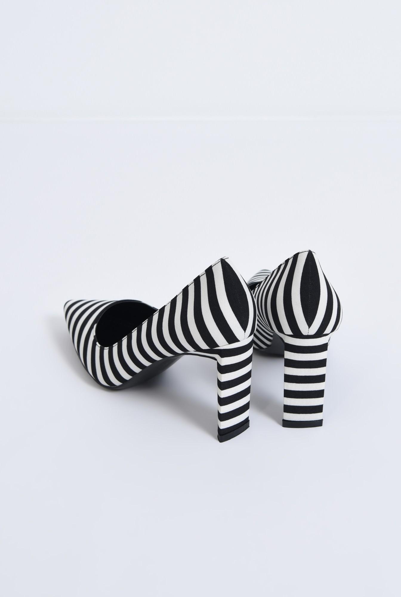 2 - pantofi casual, alb-negru, dungi, toc inalt