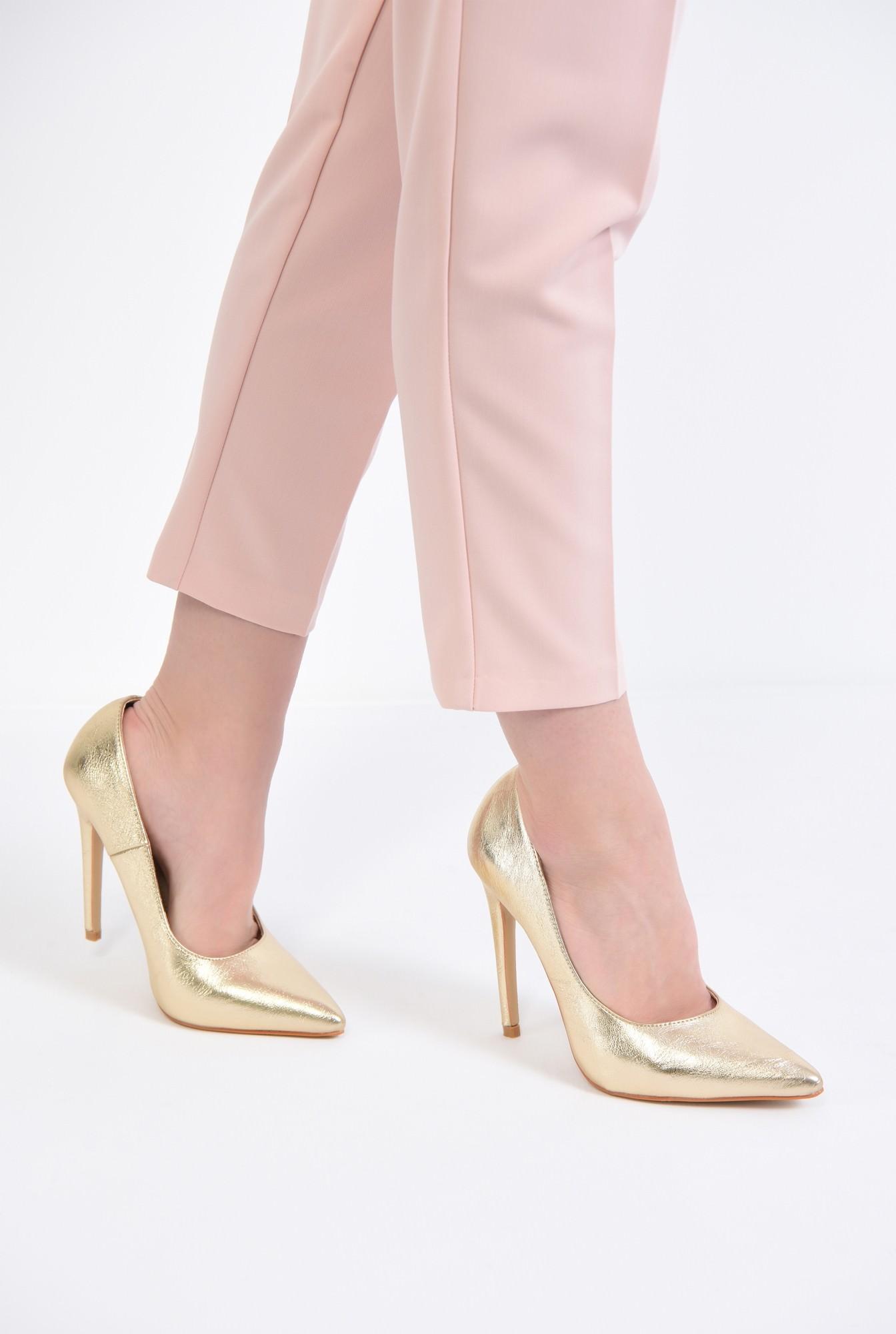 4 - pantofi eleganti, aurii, toc inalt