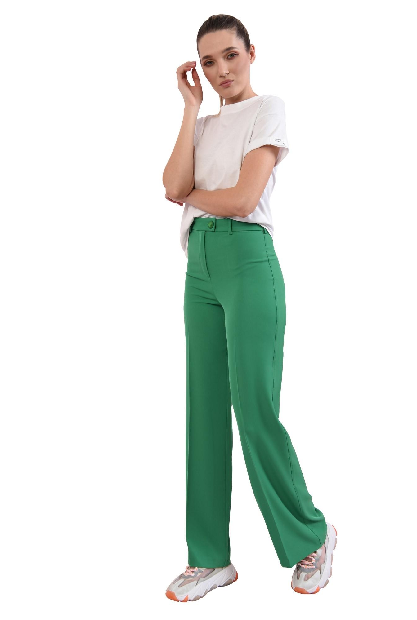 3 - pantaloni verzi, drepti, Poema