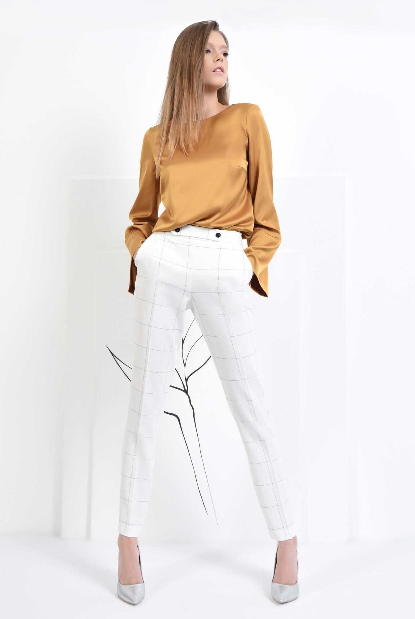 3 - Pantaloni conici, talie medie