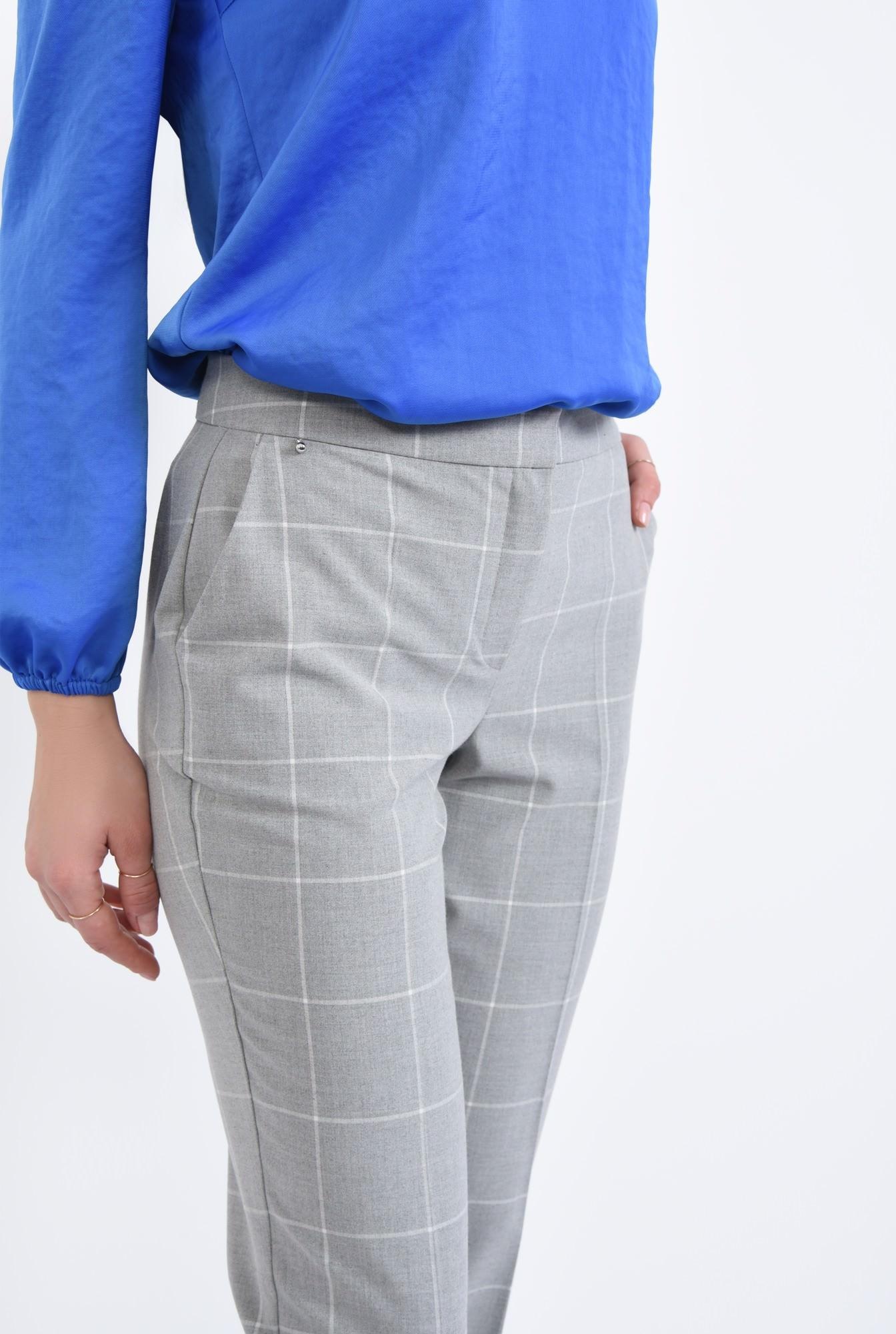 2 - Pantaloni casual, imprimeu